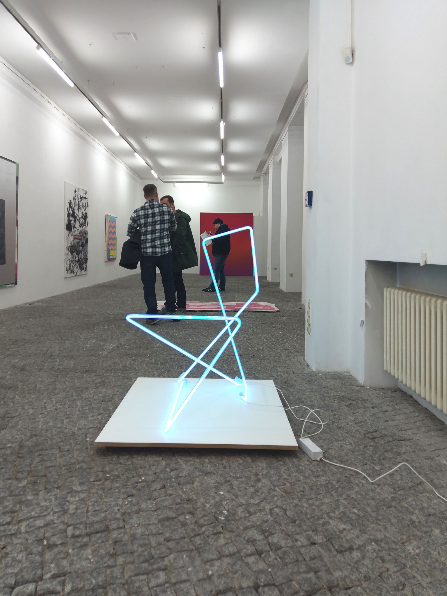 two lines eight corners, 2019, Neonglas, je 300cm lang, gr_und, Artist space Berlin