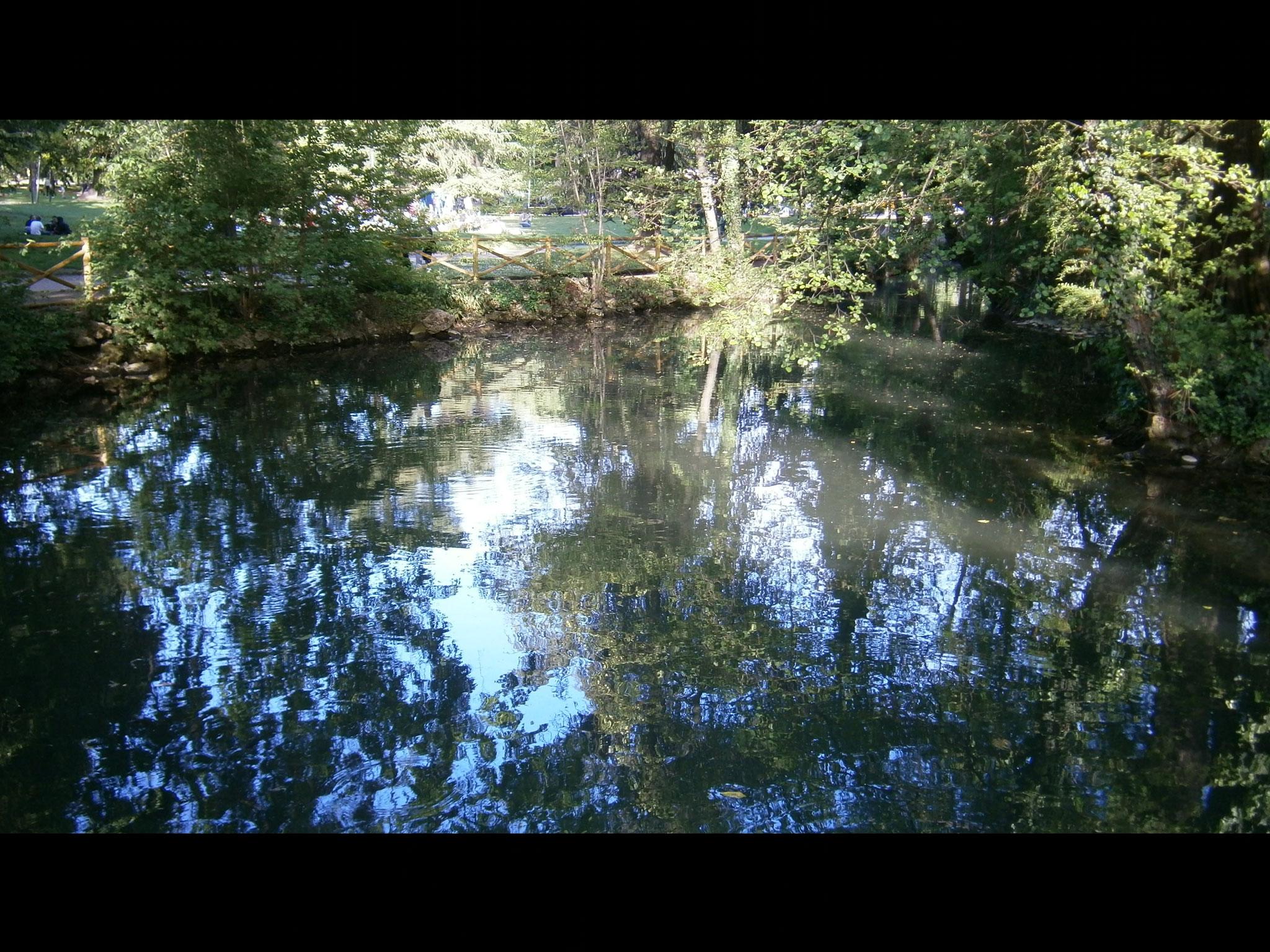 Giardini Pubblici Indro Montanelli:Lago, museo, edificios históricos, columpios y atracciones infantiles