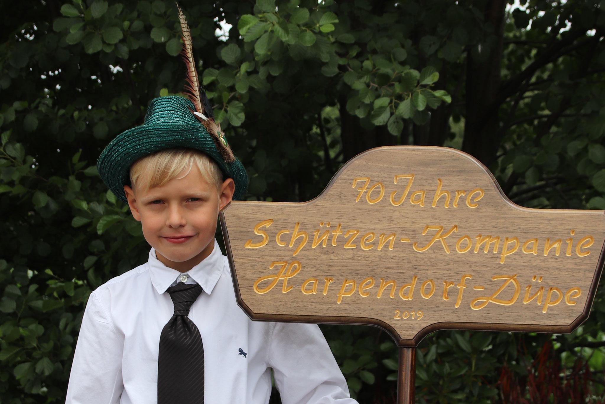 Schildträger Maximilian Dultmeyer