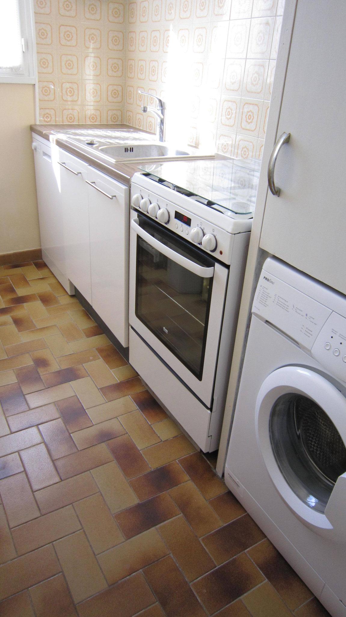 Lave-vaisselle 12 couverts + Cuisinière + lave-linge + réfrigérateur/congélateur, etc ...