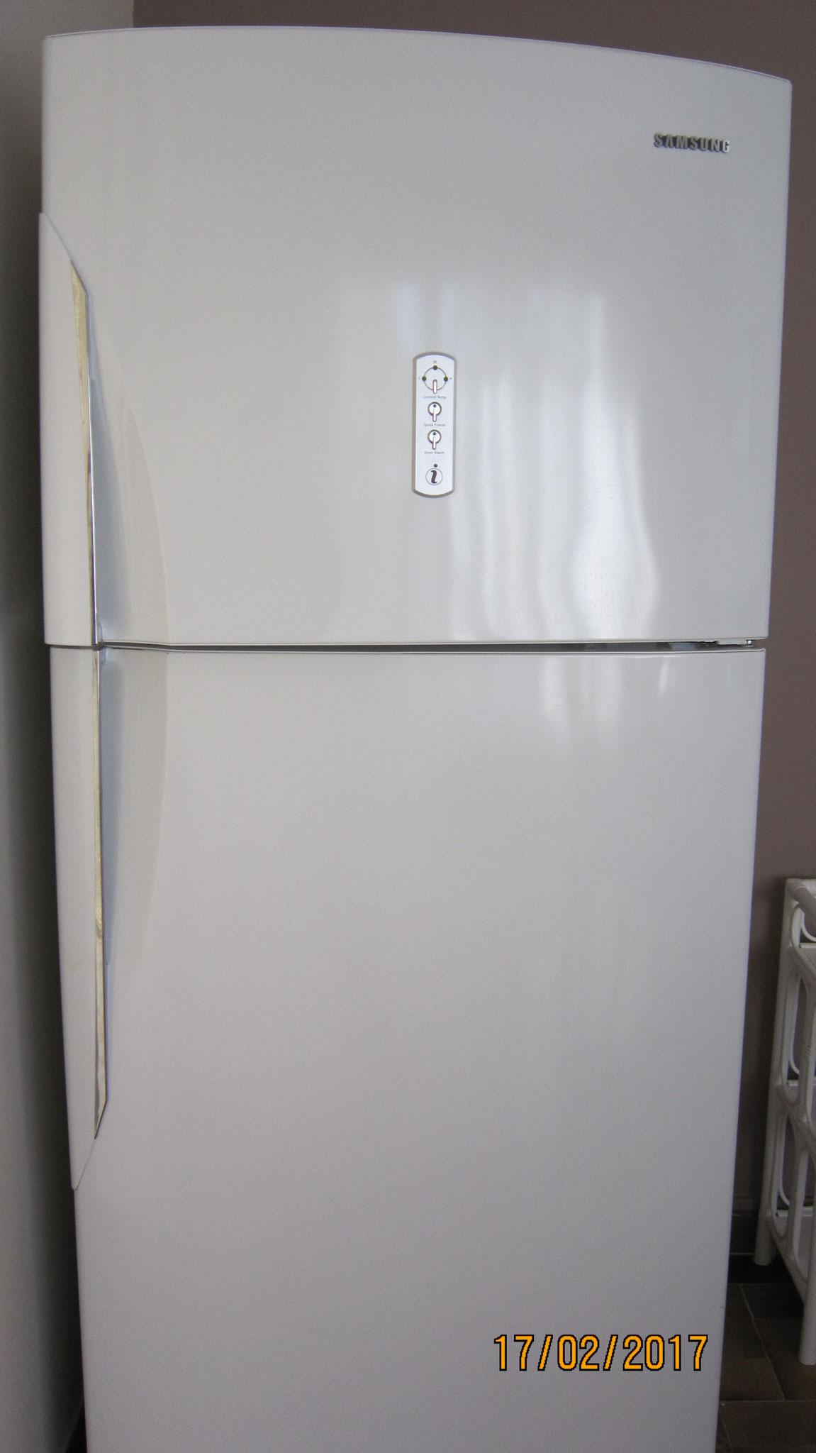 Grand réfrigérateur / congélateur à froid ventilé