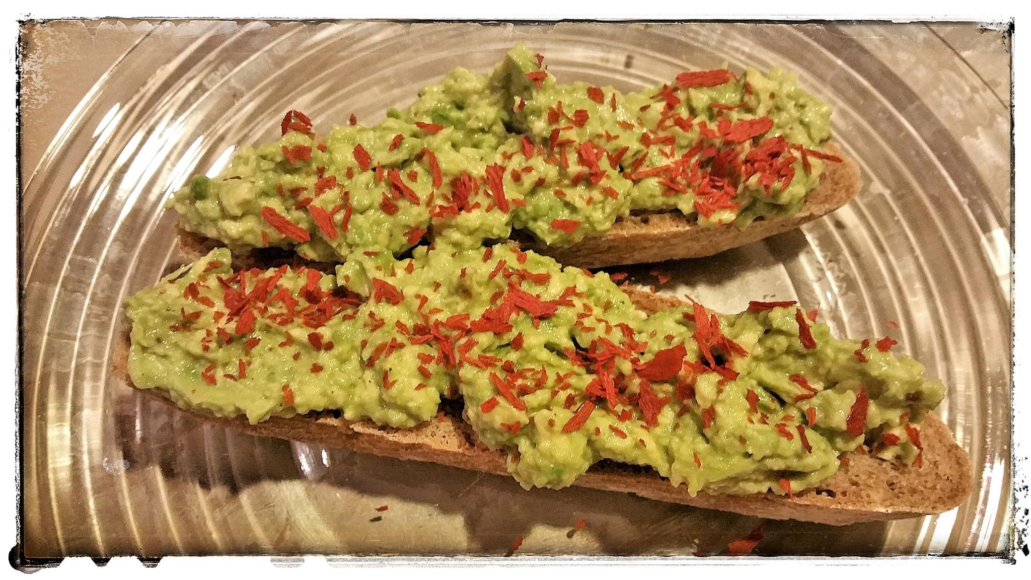 Guacamole auf Brot