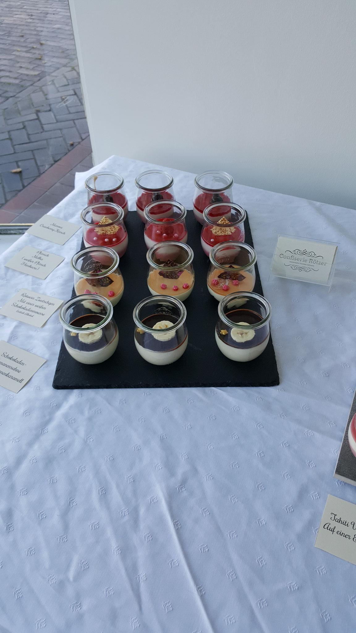Sahnetörtchen im praktischen Dessertglas