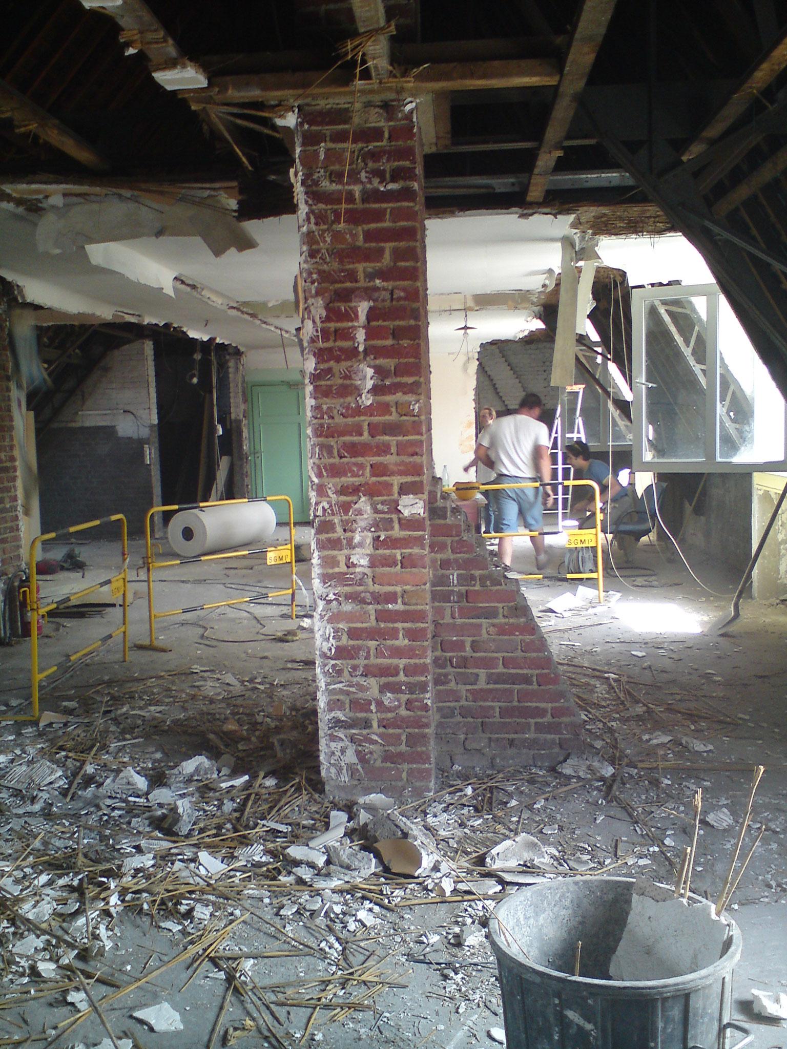 Travaux de transformation d'un grenier en 3 appartements avec mezzanine à AMIENS. Mission de Maîtrise d'oeuvre tous corps d'état.