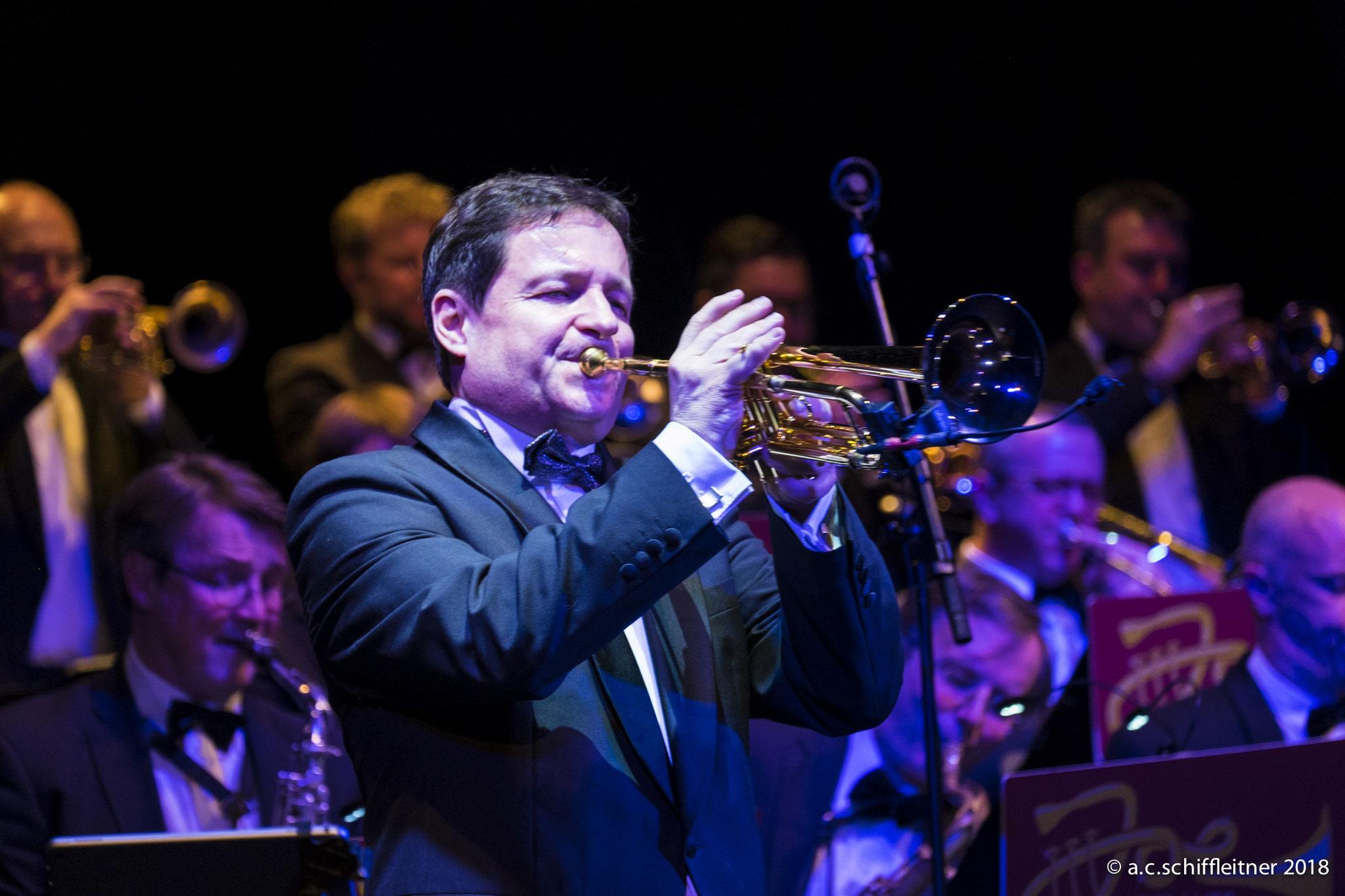 Joe Hofbauer Big Band mit Trompeter Joe Hofbauer | Foto: A.C. Schiffleitner