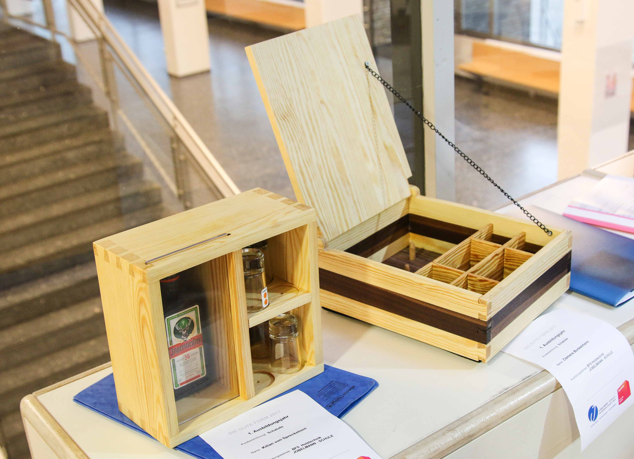 Schatullen des ersten Ausbildungsjahrganges Berufsfachschule Holztechnik