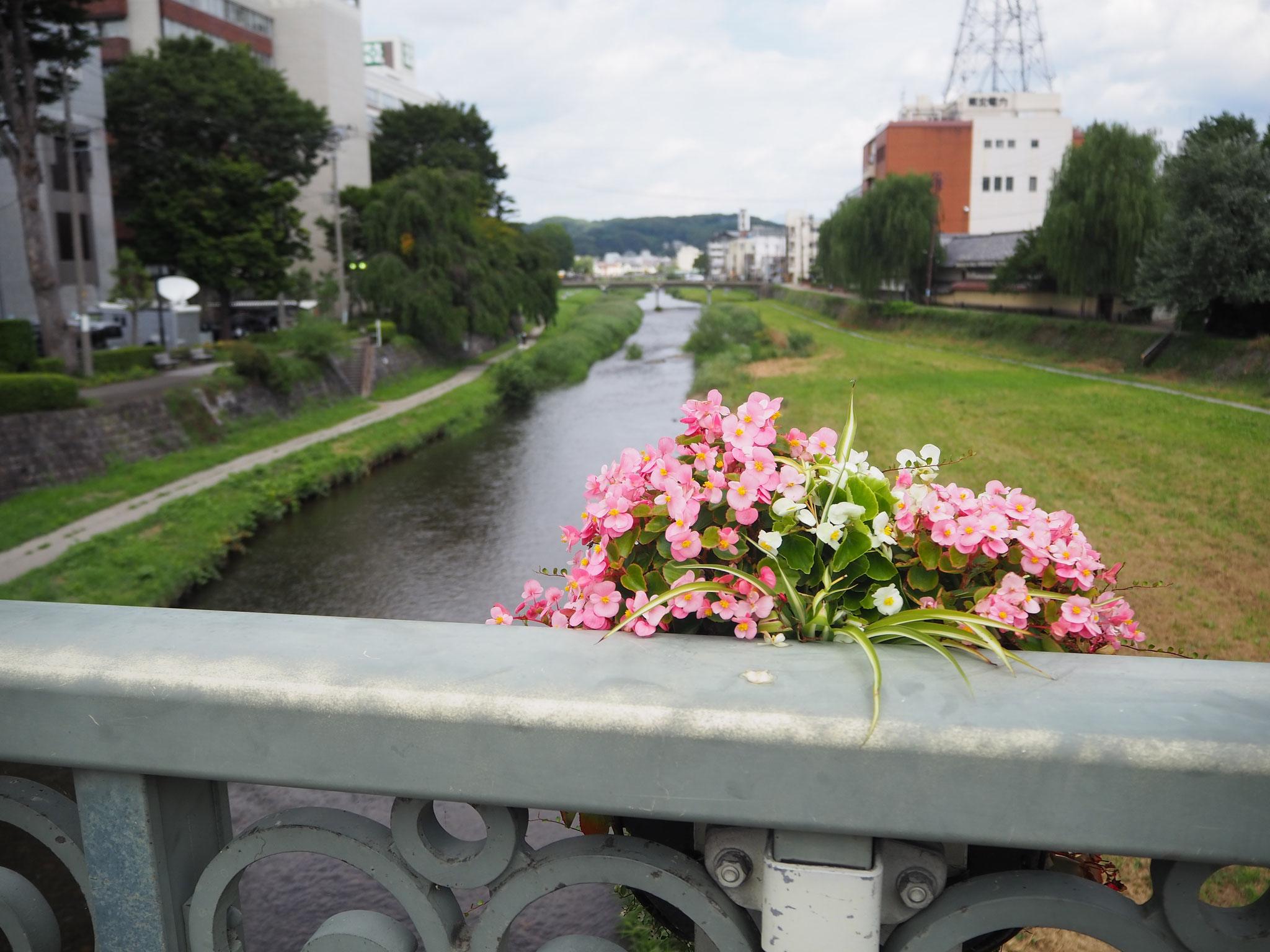 赤レンガ館のそばにある中津川にかかる「中の橋」・・・・ここまでご覧いただきありがとうございました