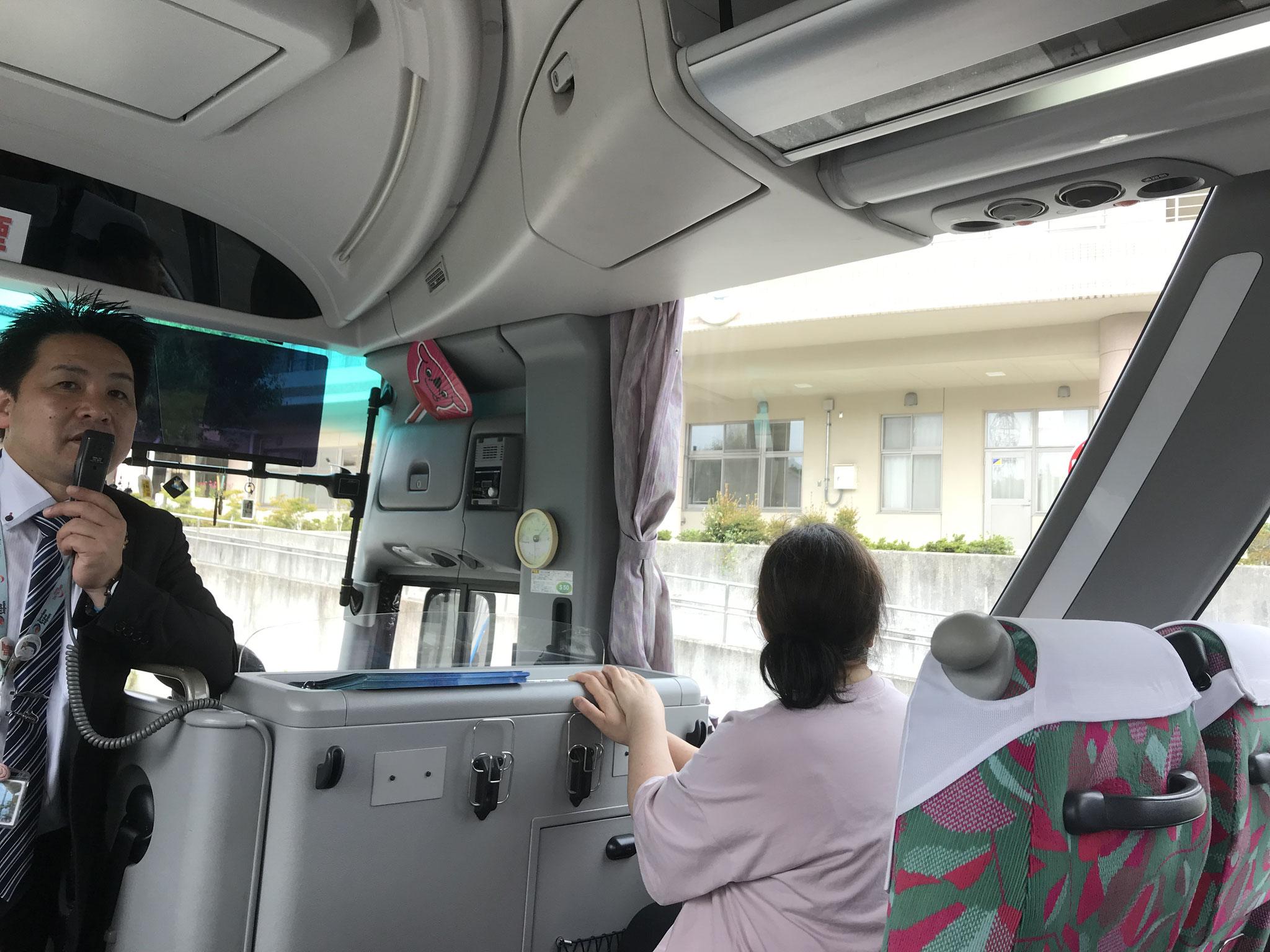 ホテル観洋の従業員が語り部として震災の時の様子を語ってくれる「語り部バス」に乗りました