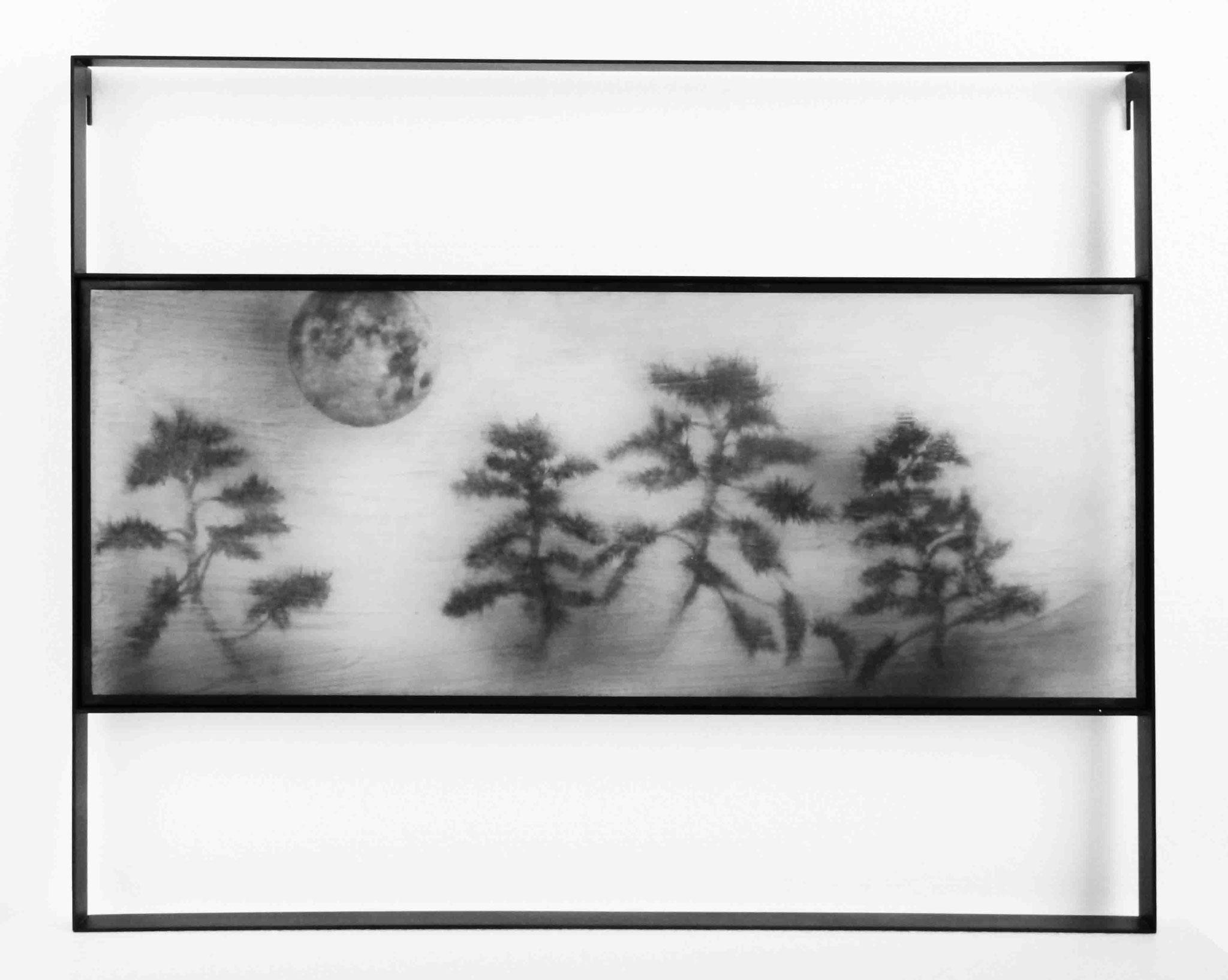 Midnight 2016/ 60cm×74cm×5cm/ Kiln cast, Painted, Japanese ink, Metal frame