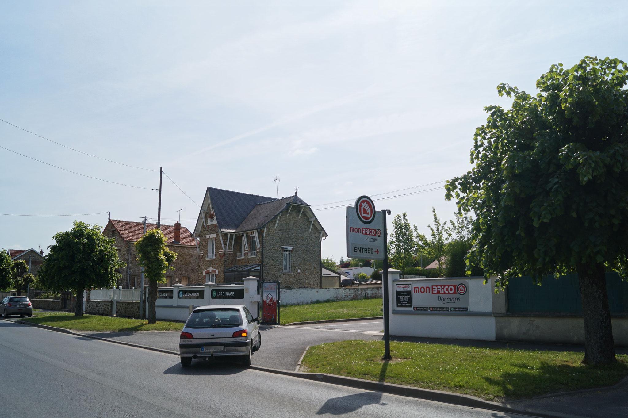 Mon Brico Dormans est situé au 26 rue du Docteur Moret à Dormans (51).