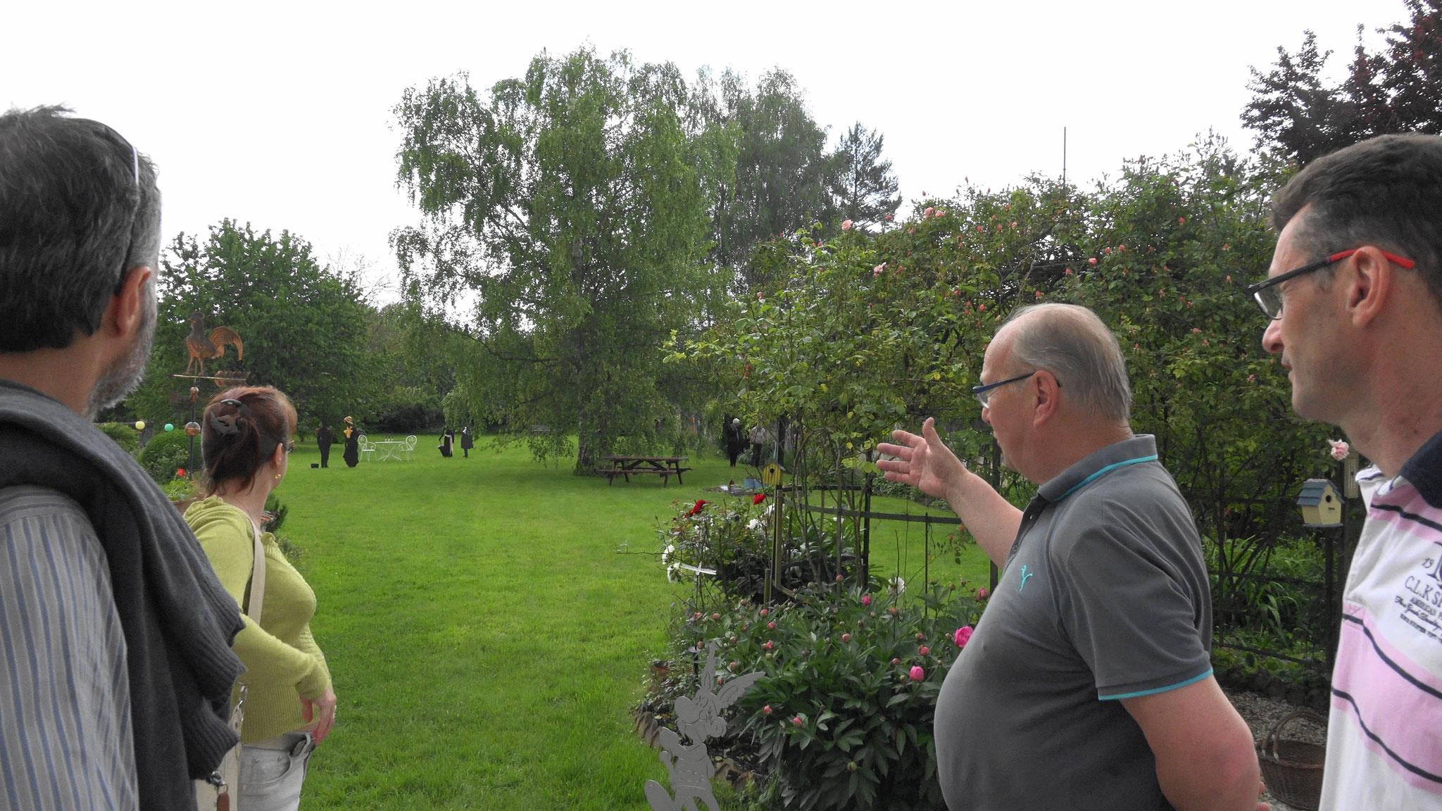 """Dans le cadre national des """"Rendez-vous aux jardins 2016"""", plusieurs condéens et condéennes ont fait découvrir leur jardin aux visiteurs."""