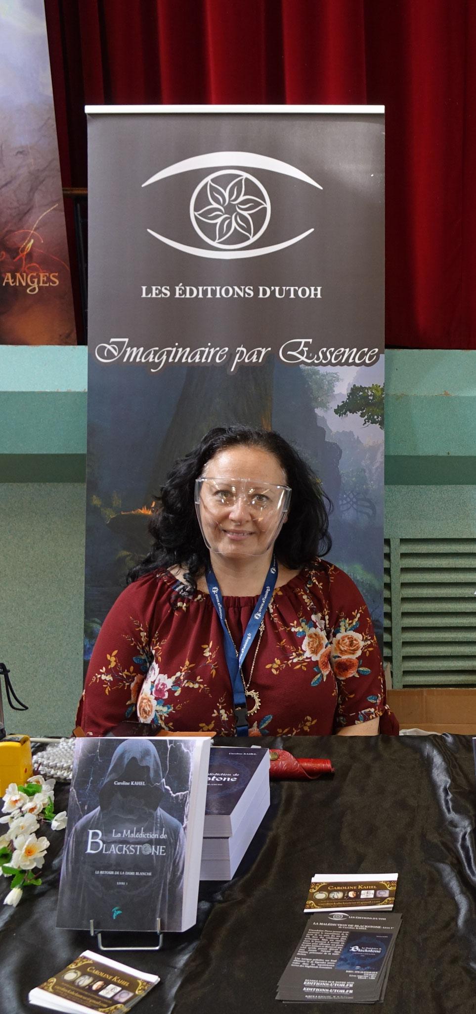 La sud axonaise Caroline Kahel publie aux Éditions d'Utoh, une maison dont la particularité est de sortir des livres autour du Fantastique.