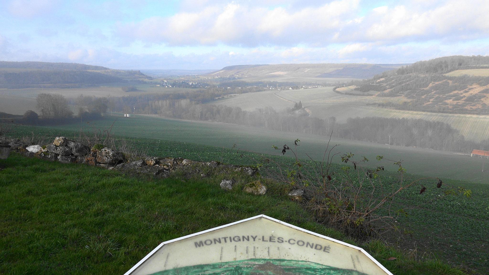 Montigny-lès-Condé. Perché à 184m d'altitude, le petit village domine une belle vallée sud axonaise.
