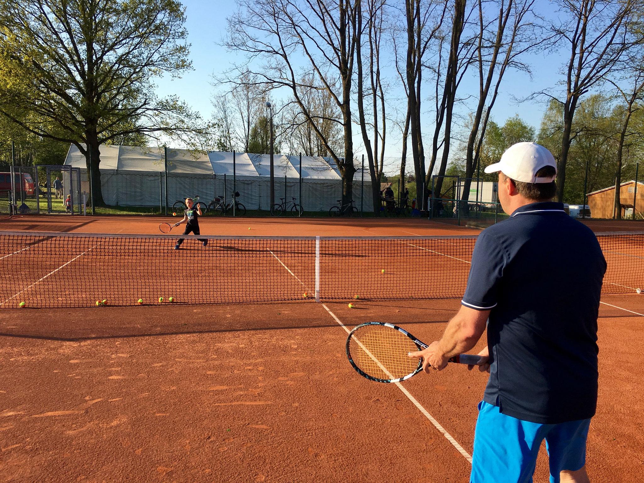 Sportbegeisterte Kinder und Erwachsene konnten so einen Einblick in den Tennissport gewinnen