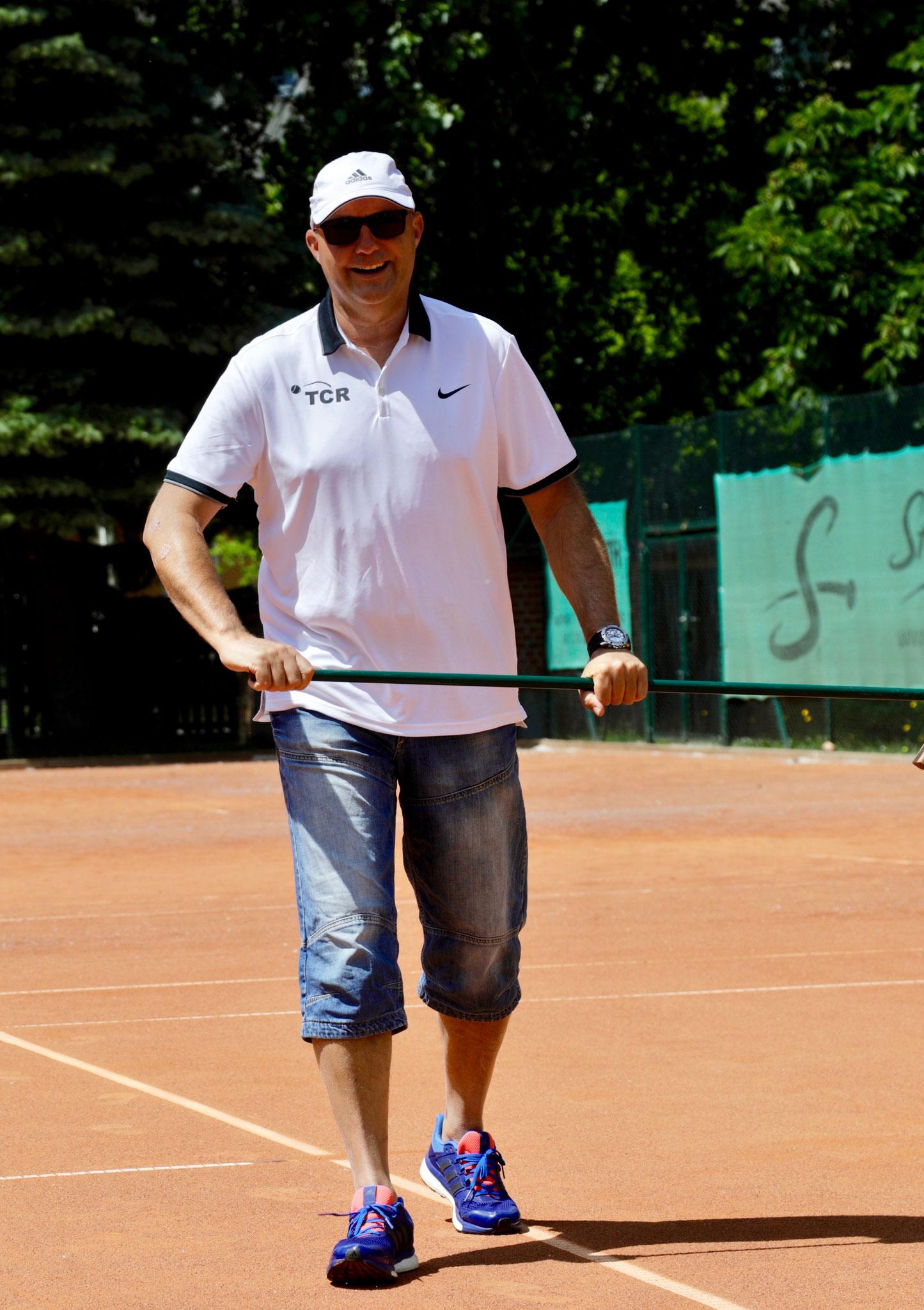 Trainer Jens ist mit der gezeigten Leistung sichtlich zufrieden