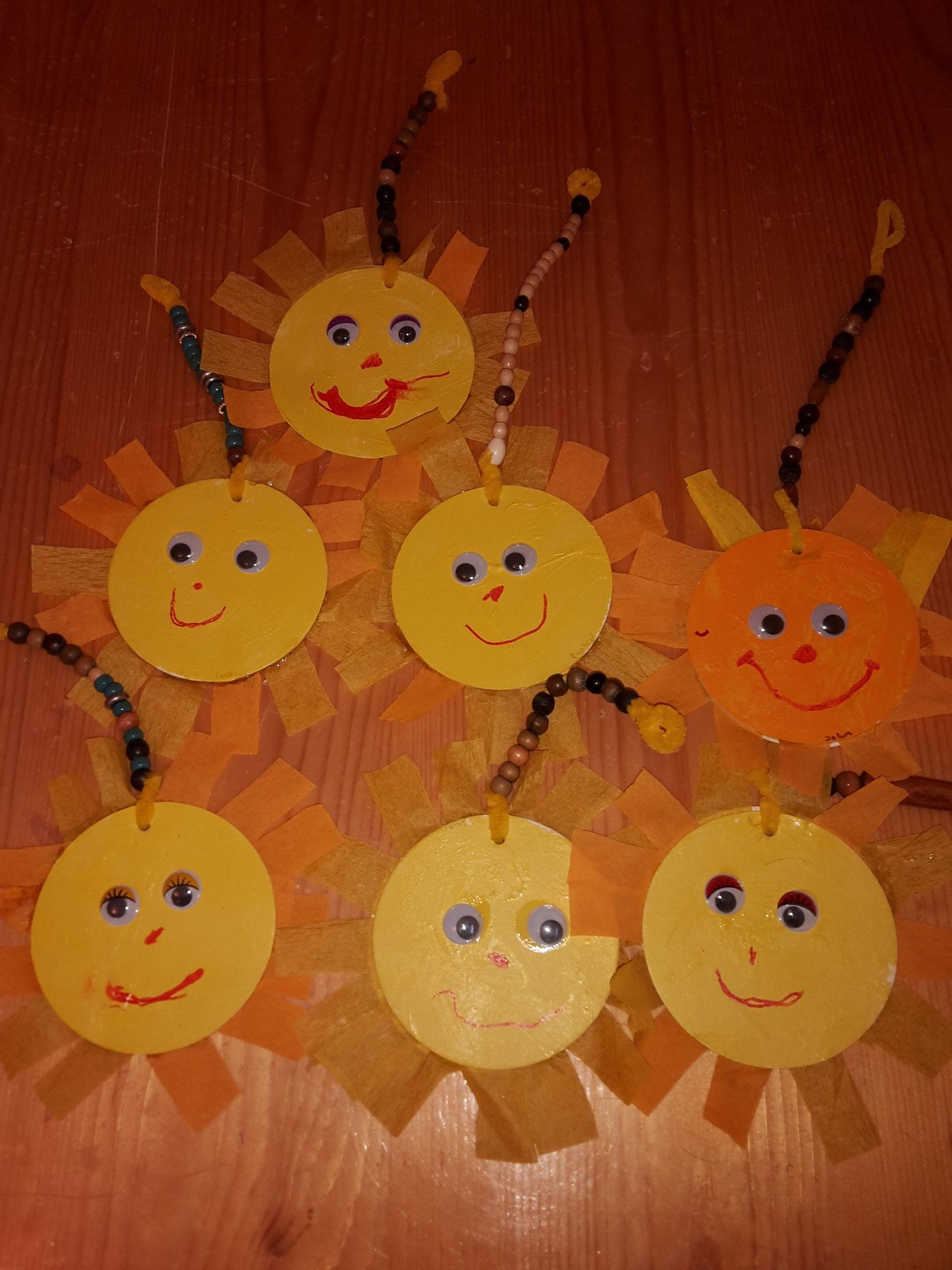 Sonne aus Karton Teller