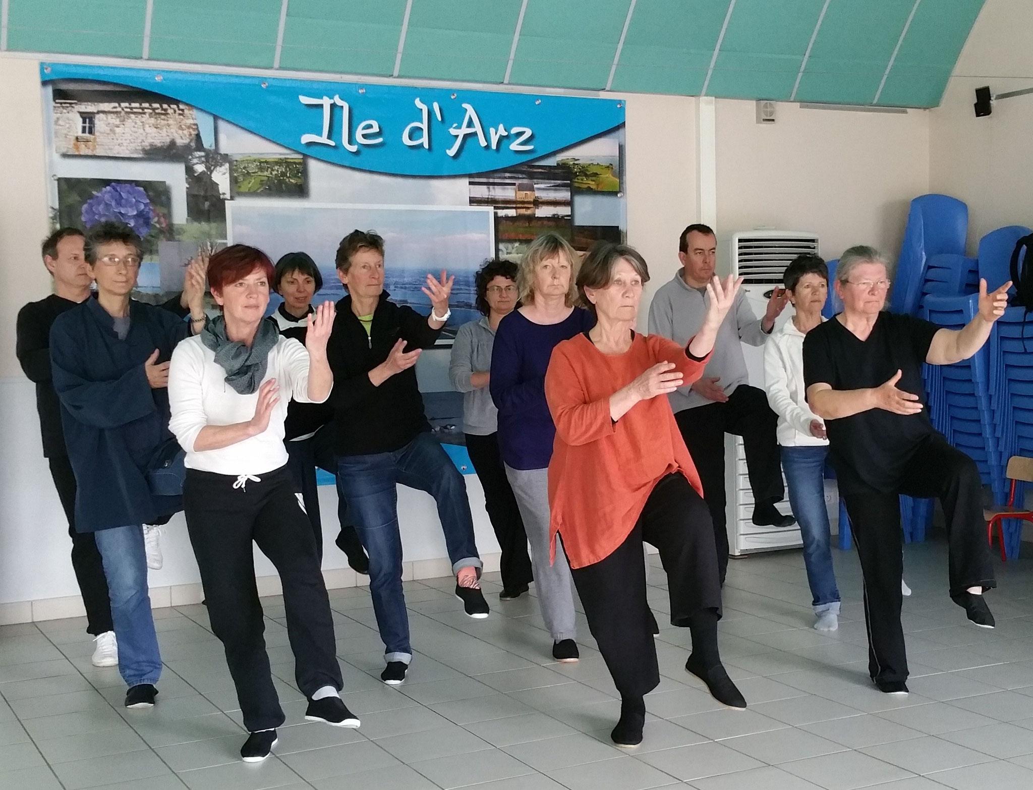 avril 2016 - Qi Gong dans la salle du Gourail (île d'Arz)