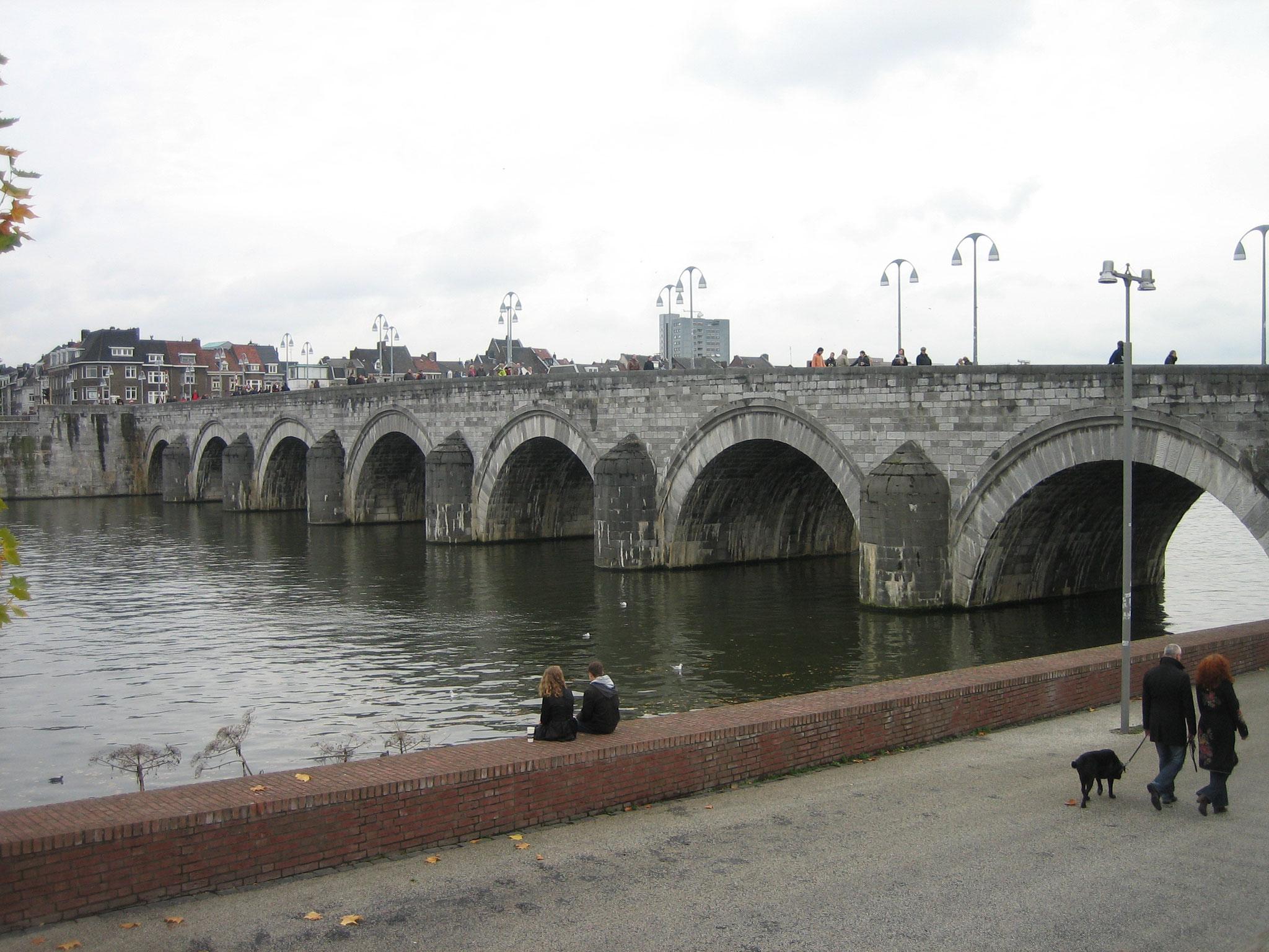 Maasbrücke in Maastricht