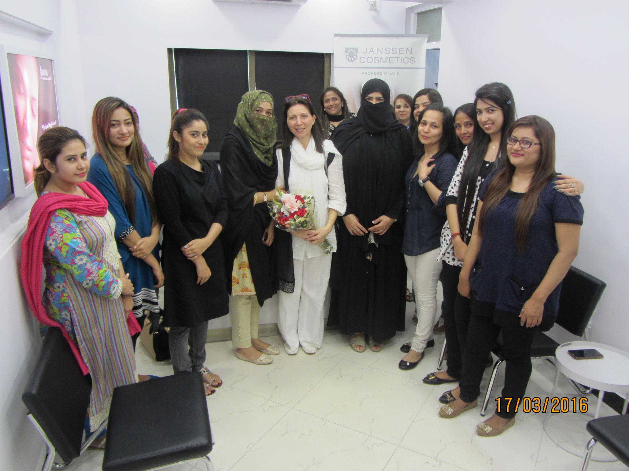 Mitarbeiter in Karachi 2014