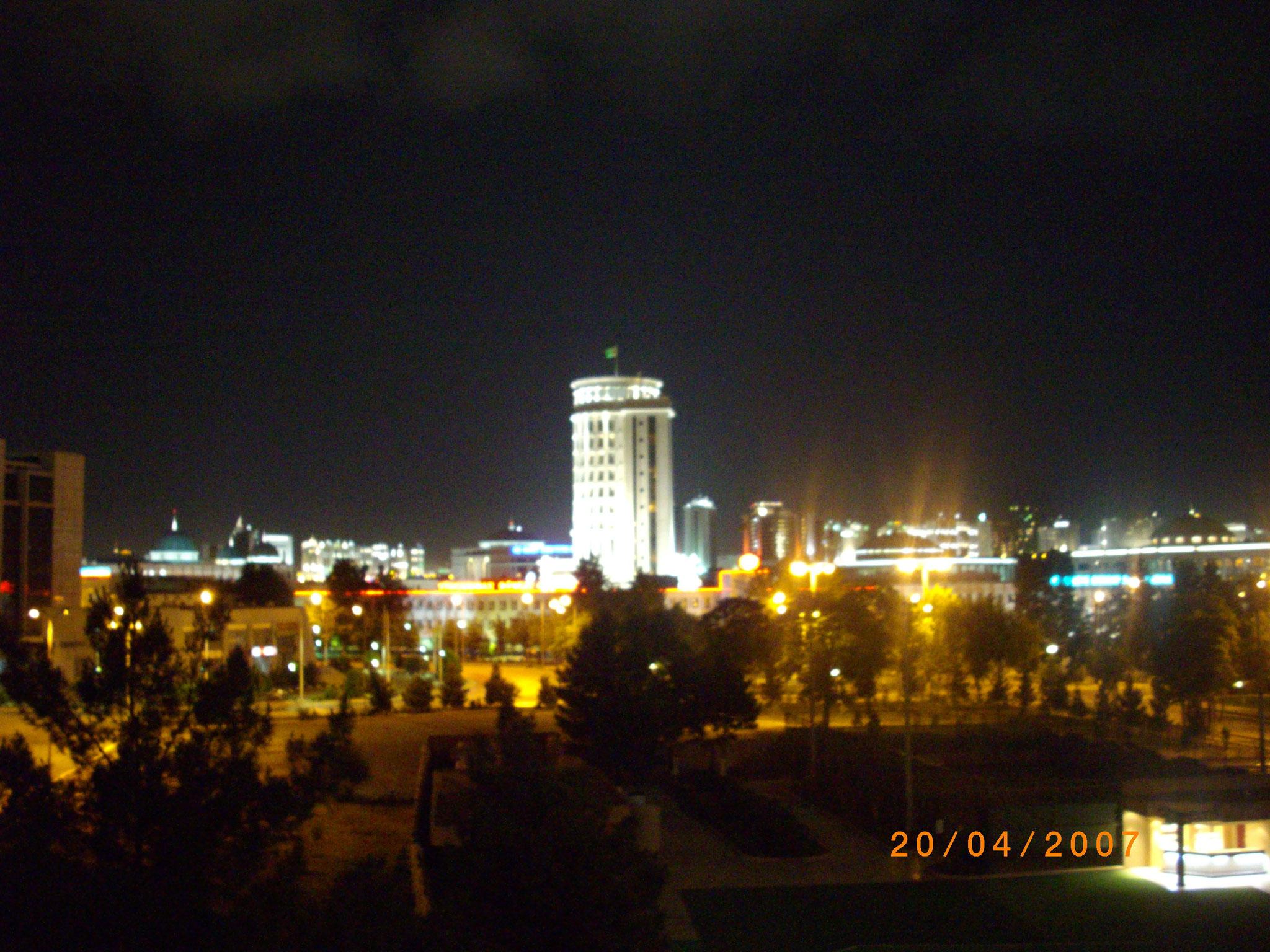 Ashgabat am Abend