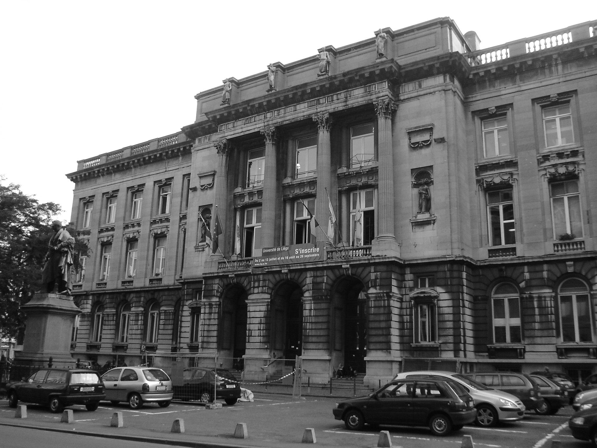 Hauptgebäude der Uni - meine Hörsäle waren hier
