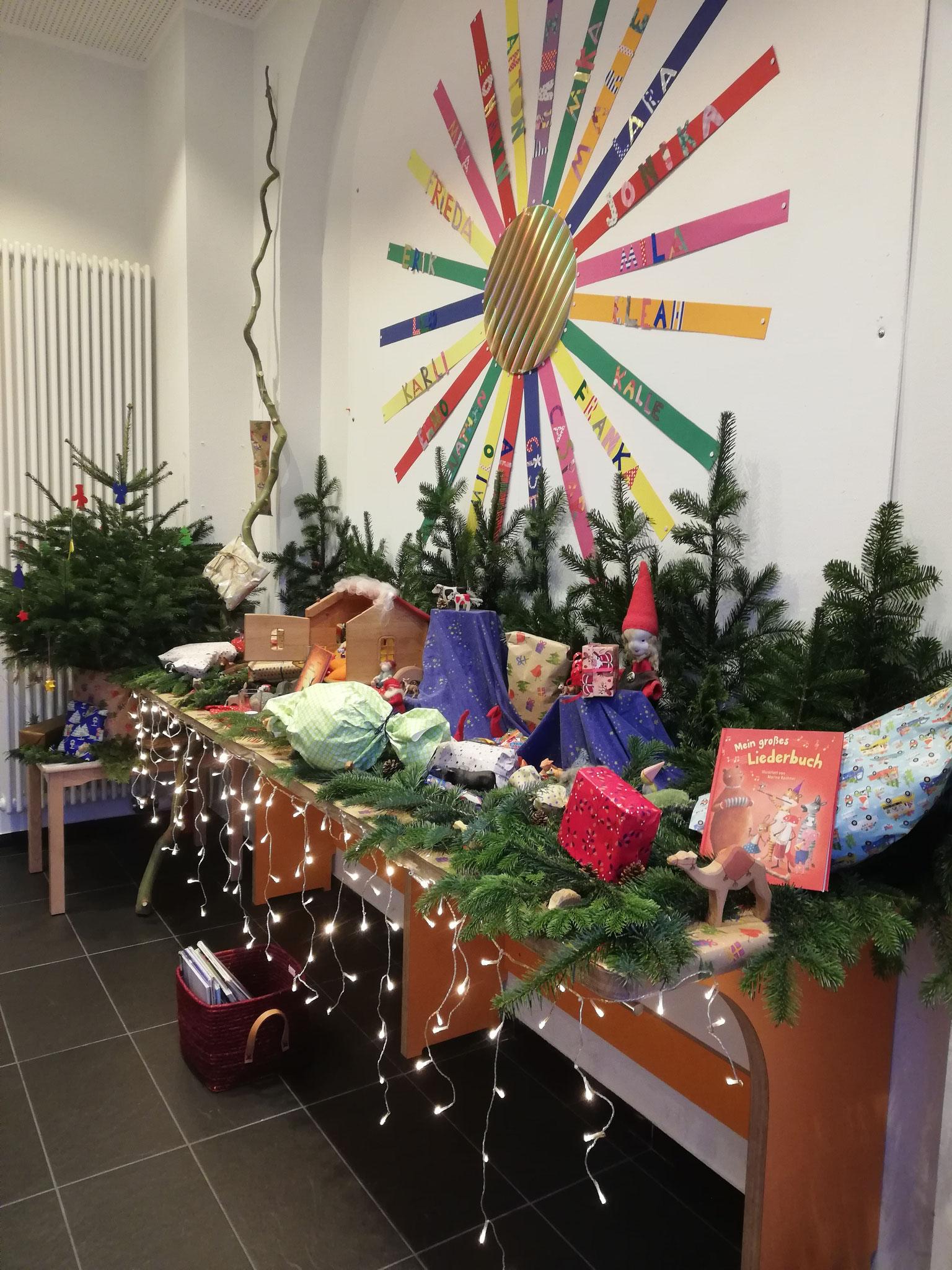 Weihnachtszeit mit Adventskalender, Nikolaus und viel Musik