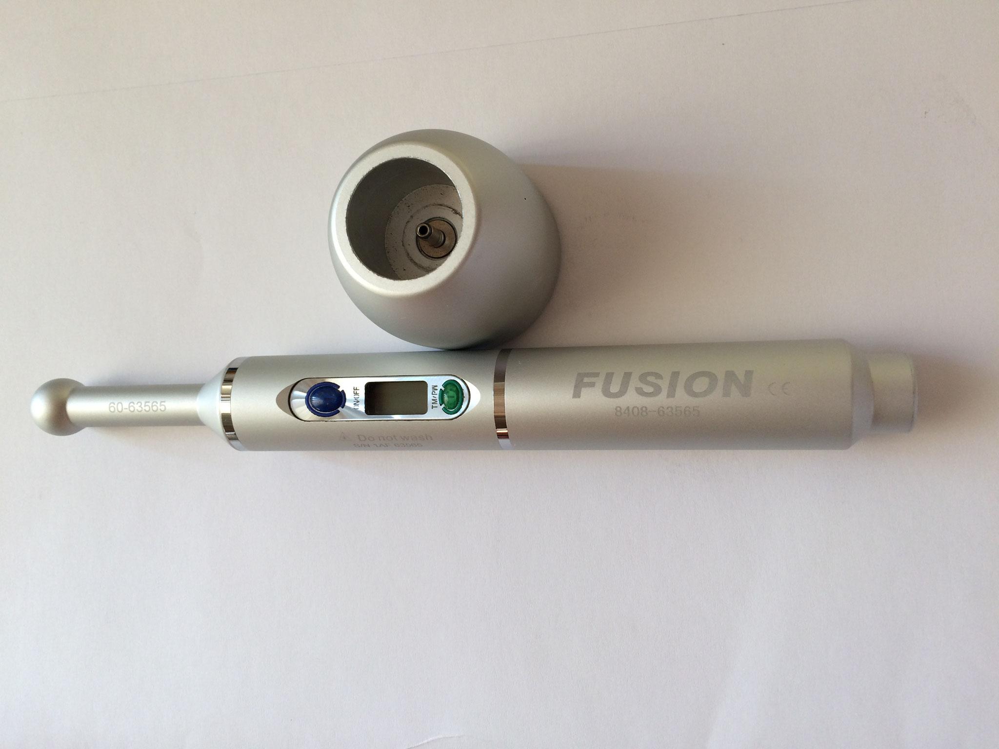 Fusion Polymerisationsgerät für Zahnärzte. Akkutausch bei Dr. Akku