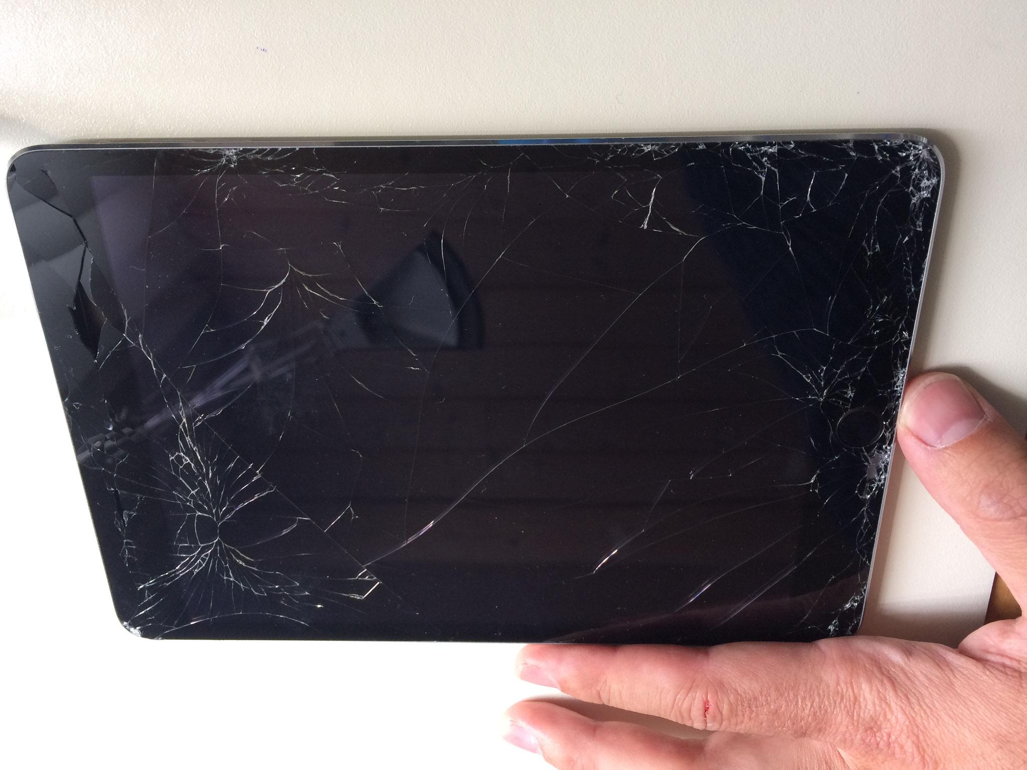 Kunden Tablet erhält einen neuen Bildschirm inkl. Batterie!