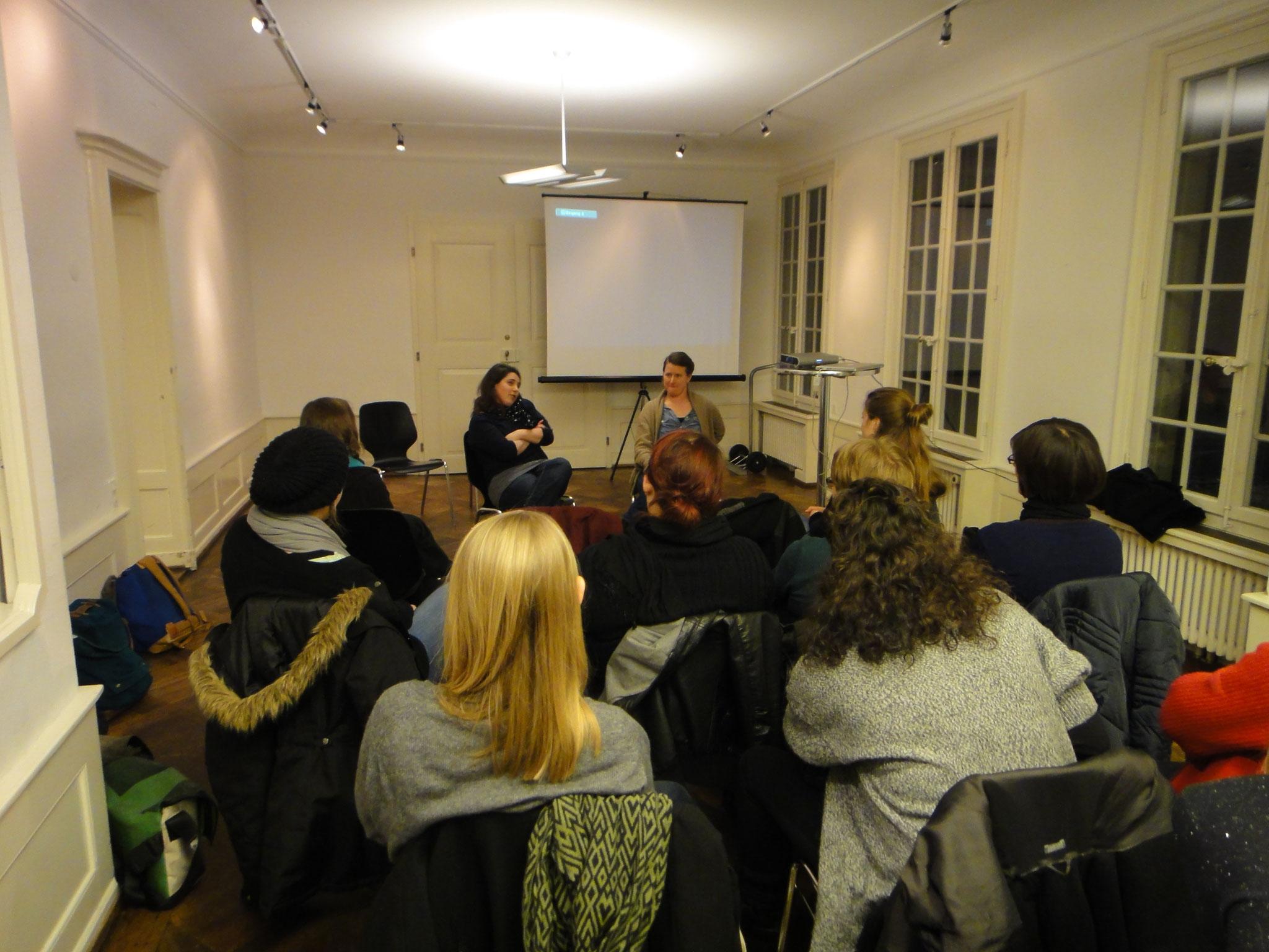 2013: Netzwerktreffen: Die beiden Soziokulturellen Animator*innen Nina Müller & Aline Joye stellen uns ihre Firma Projeteria in Biel vor