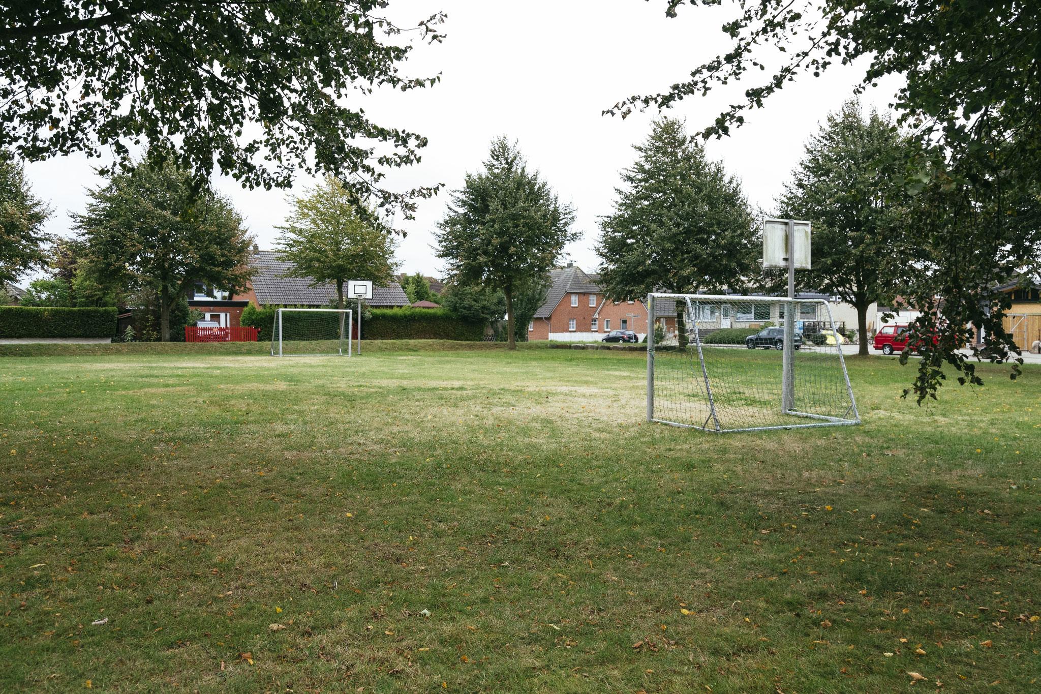 Bolzplatz im Park von Maasholm-Bad