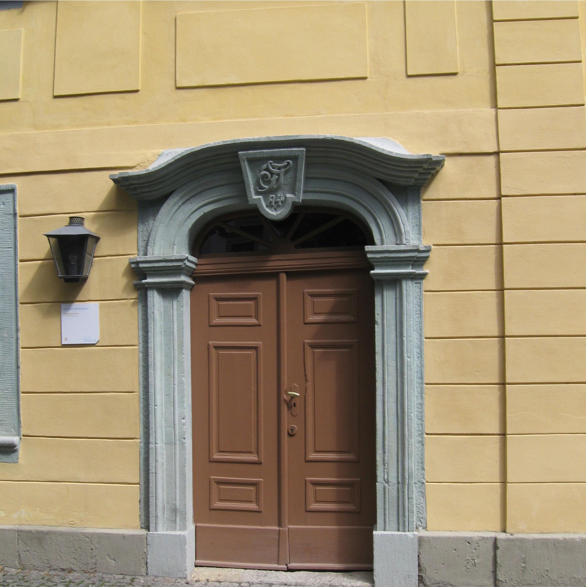 Die Haustür von Herrn Schiller