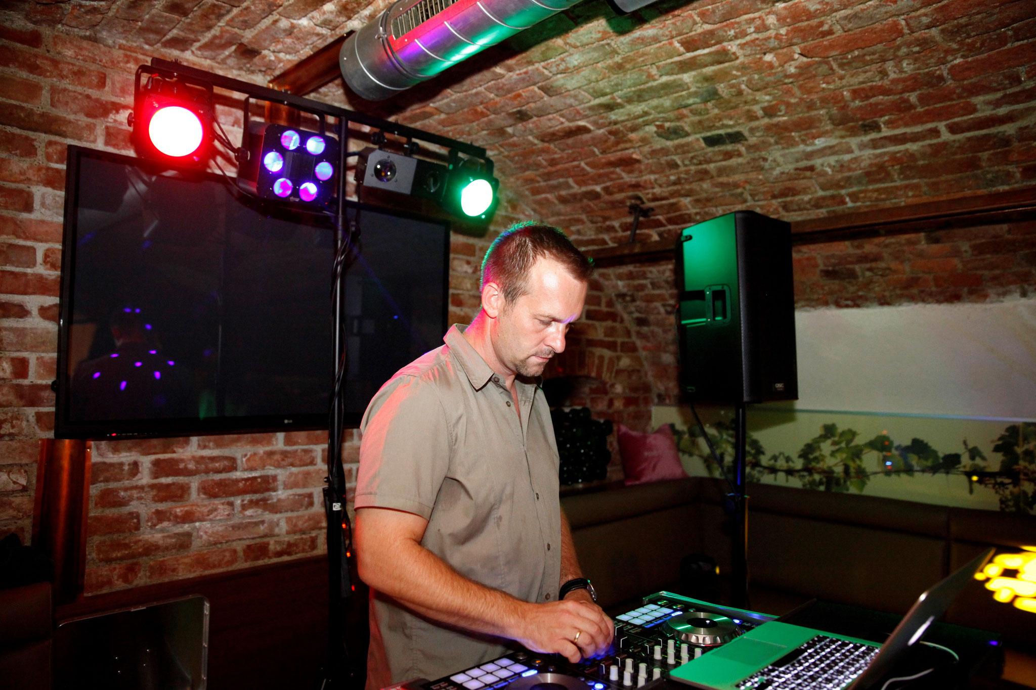 DJ Crizz von RENT A DJ