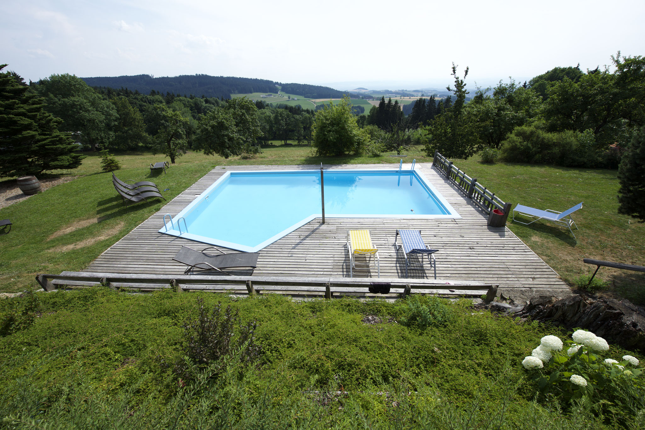 Pool und Garten Eidenberger Alm