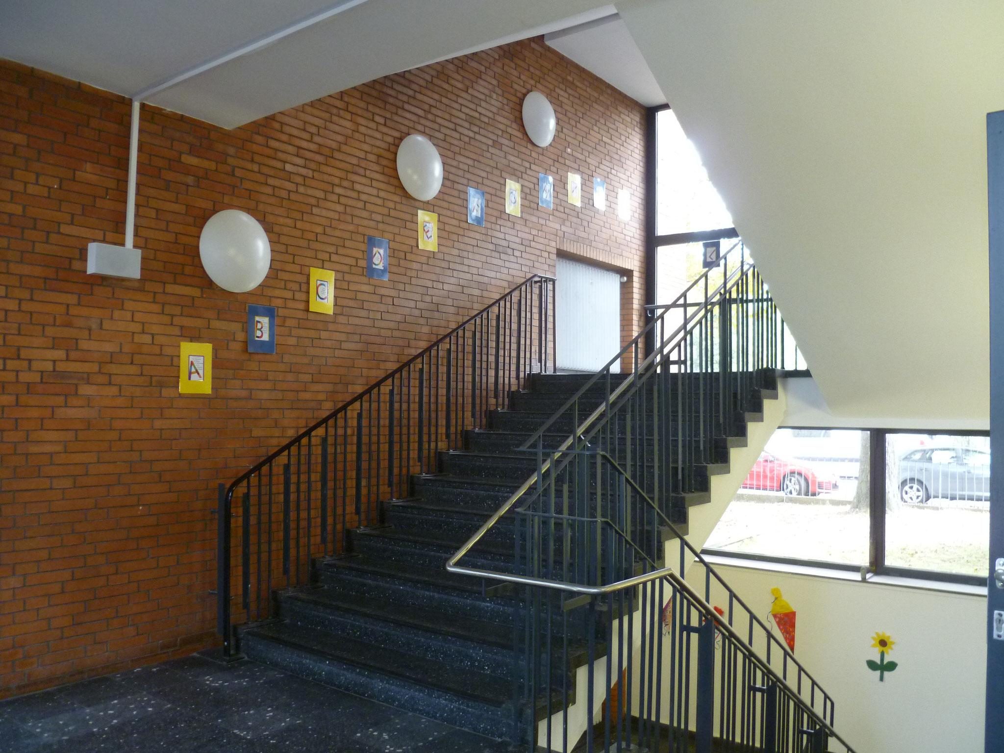 ... die Treppe hoch ...
