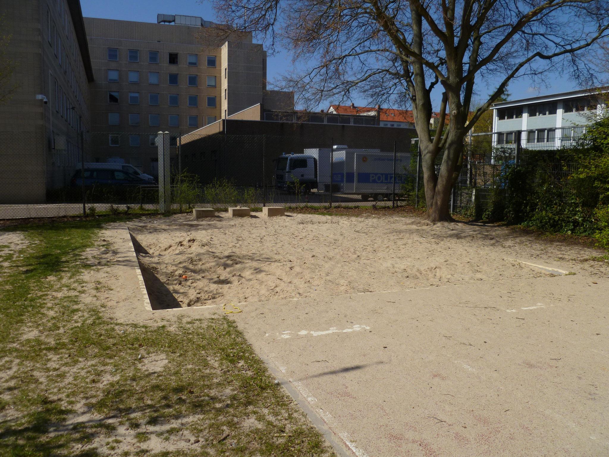 ... und in der Sandkiste spielen.