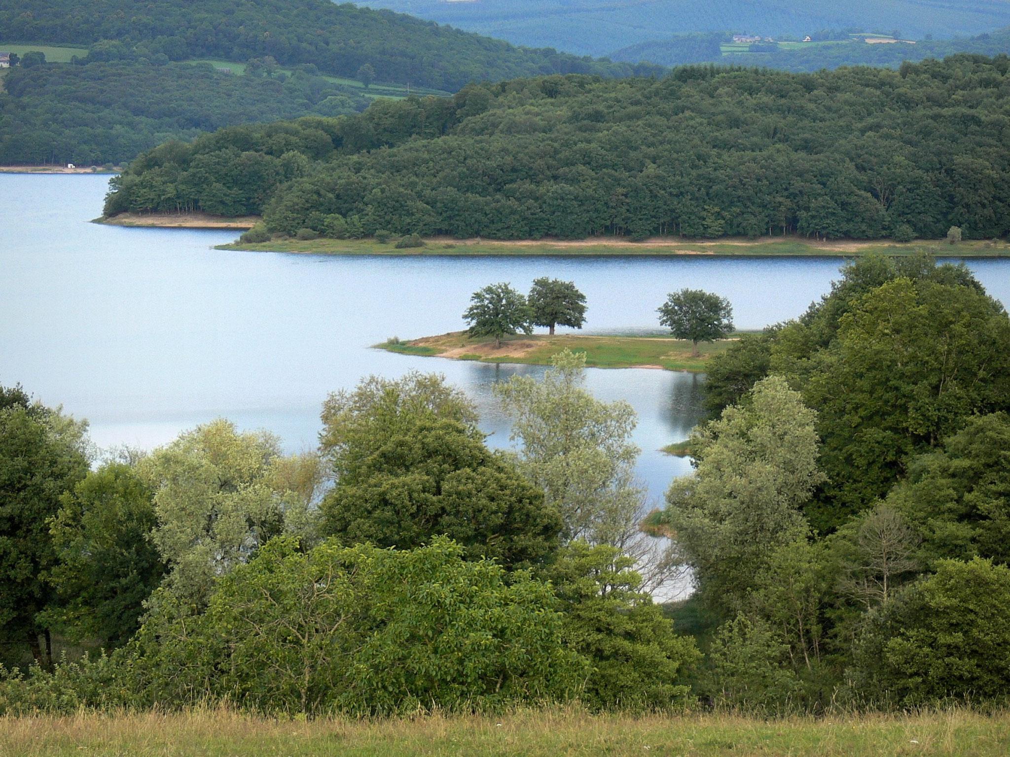 Lac de Pannecière