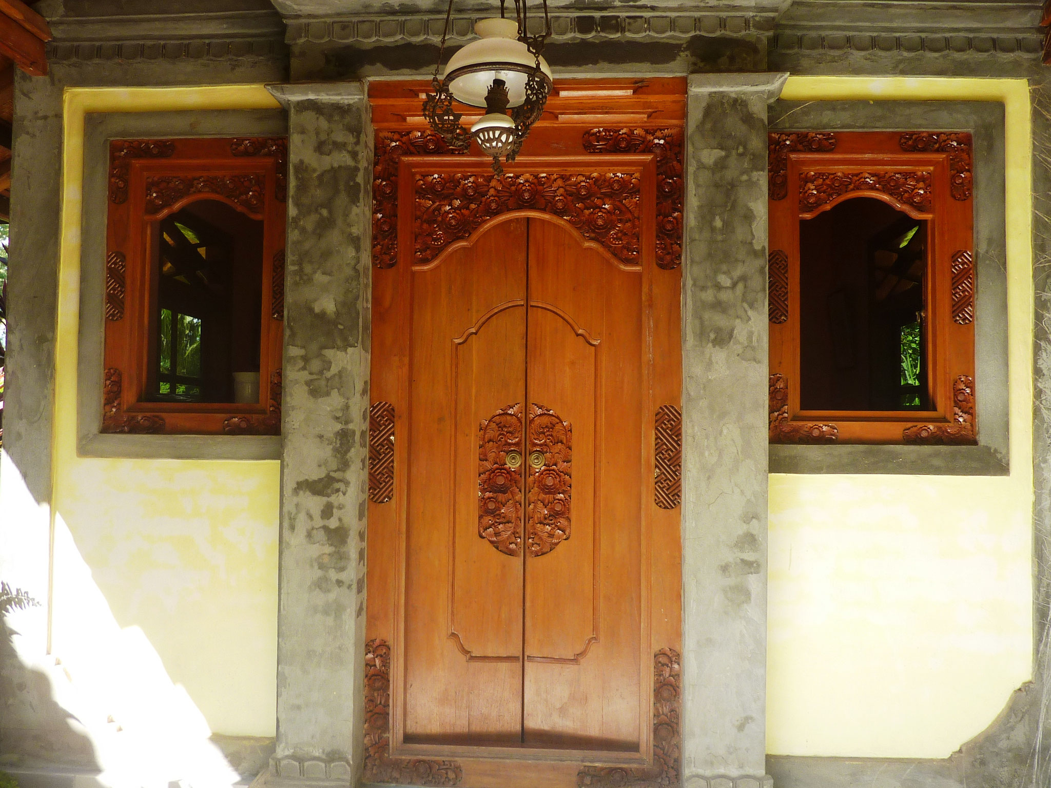 balinese wooden door and windows