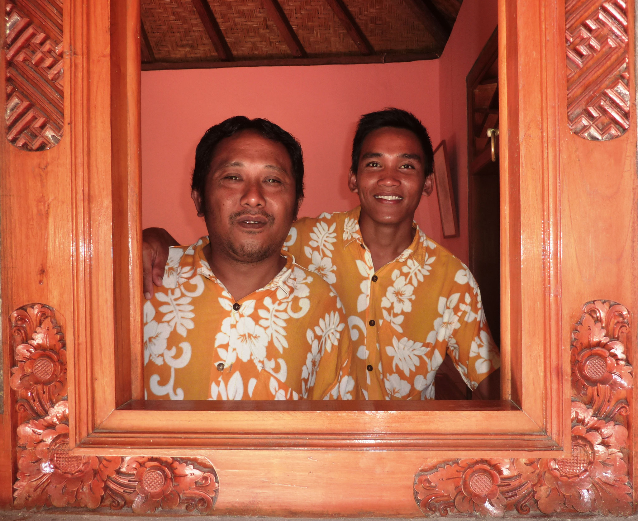 allways a helping hand: Gede and Kadek