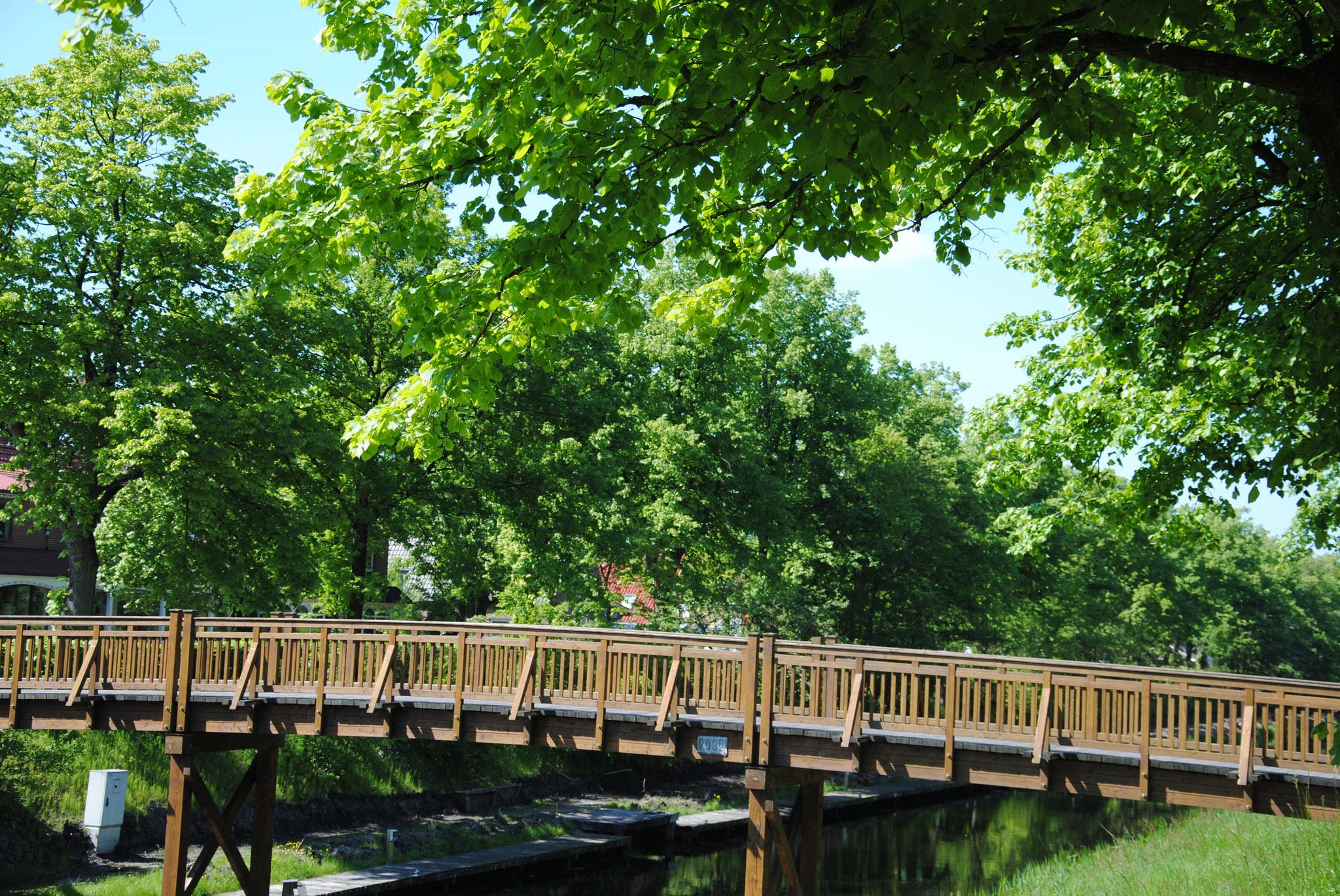 Brücke über den Ems-Jade-Kanal Wiesmoor Ostfriesland