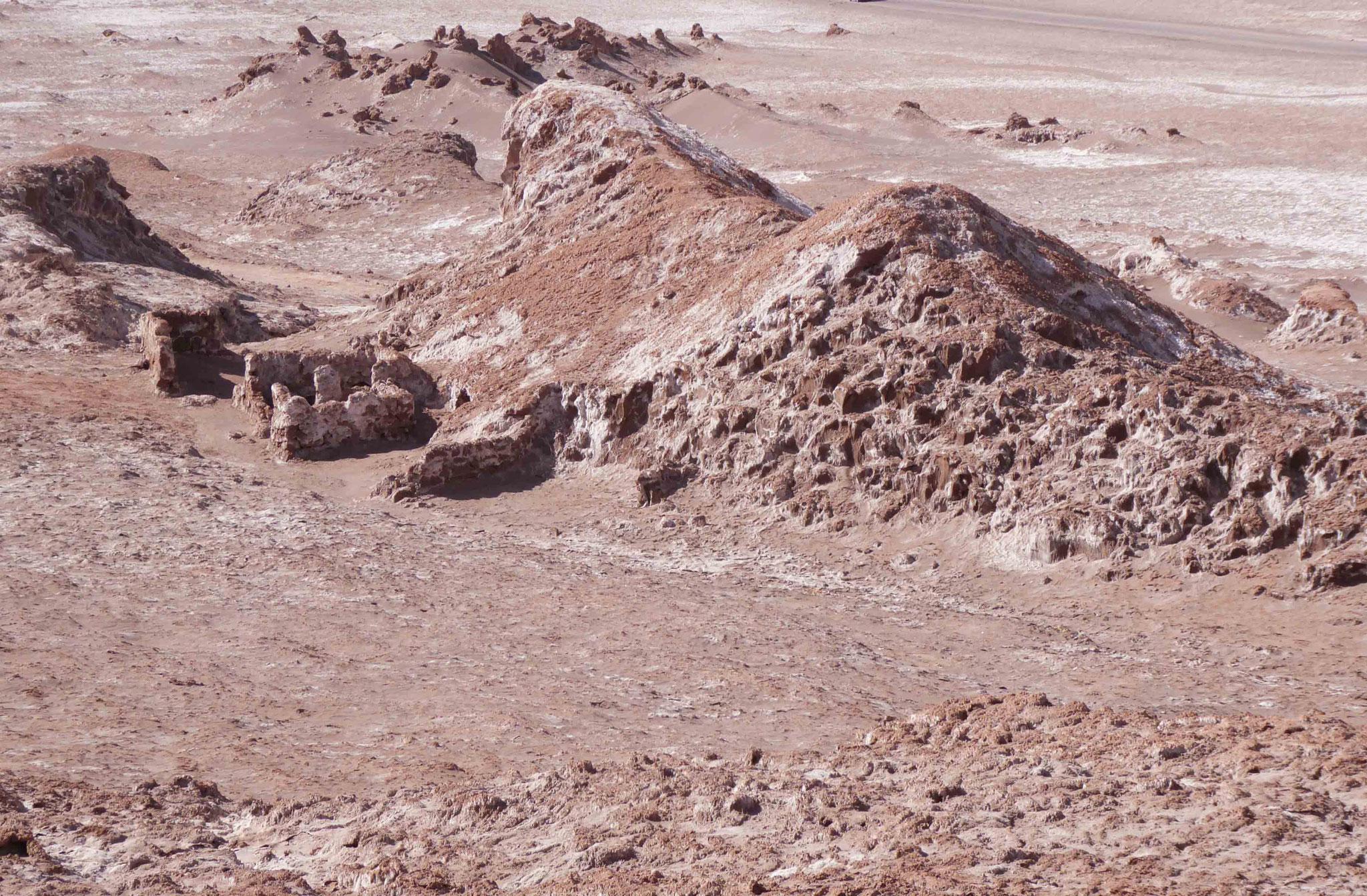 Vallée de la Lune : vestiges du site minier de San Victoria