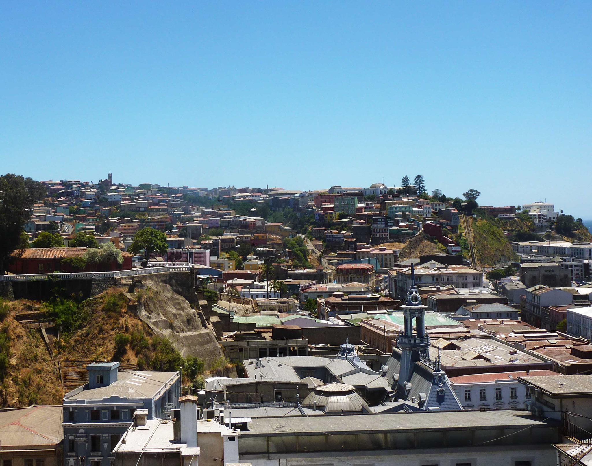 Vue surplombante depuis le quartier historique de Valparaiso