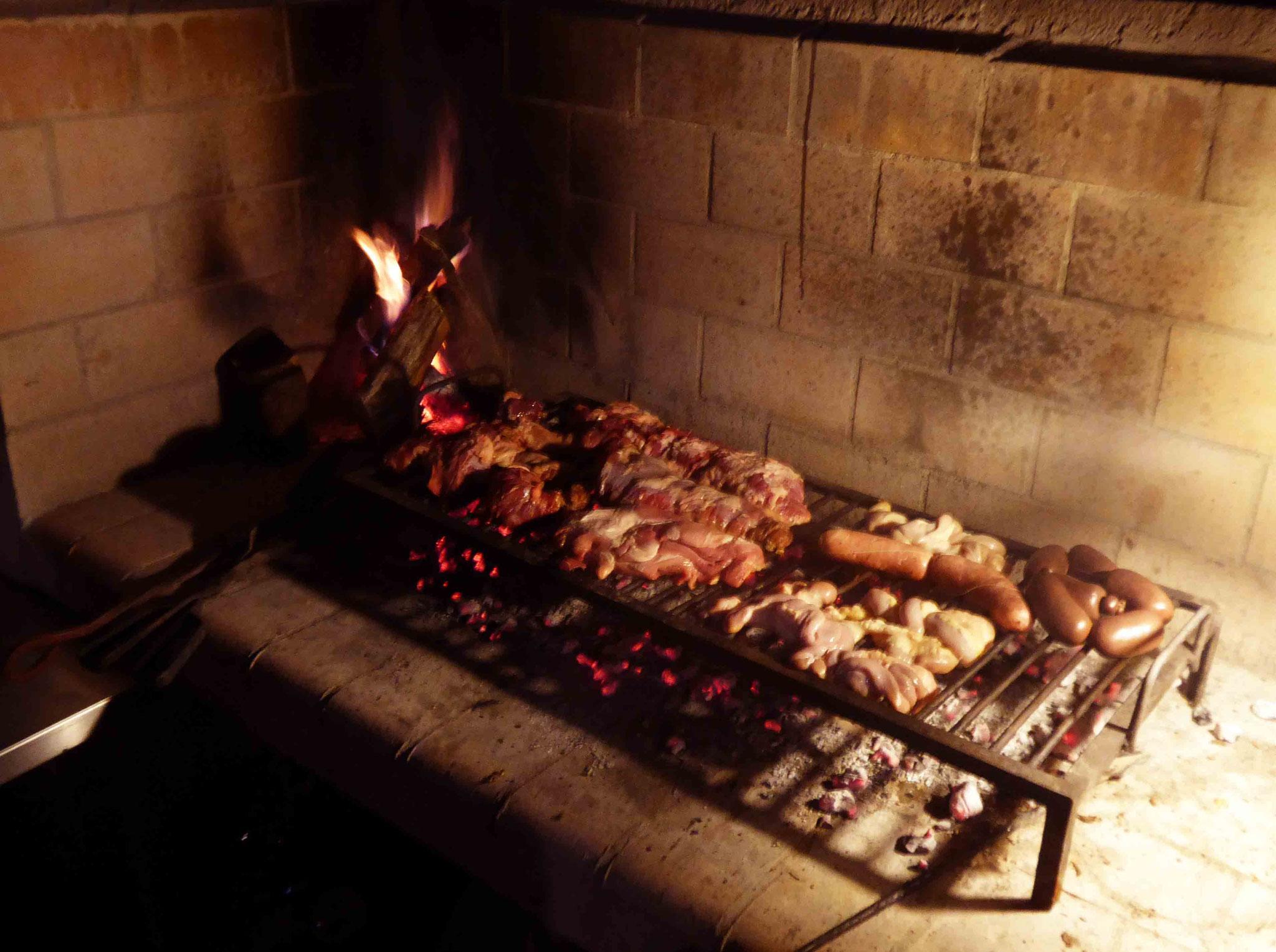 Inoubliable asado de carne dans la famille de coeur