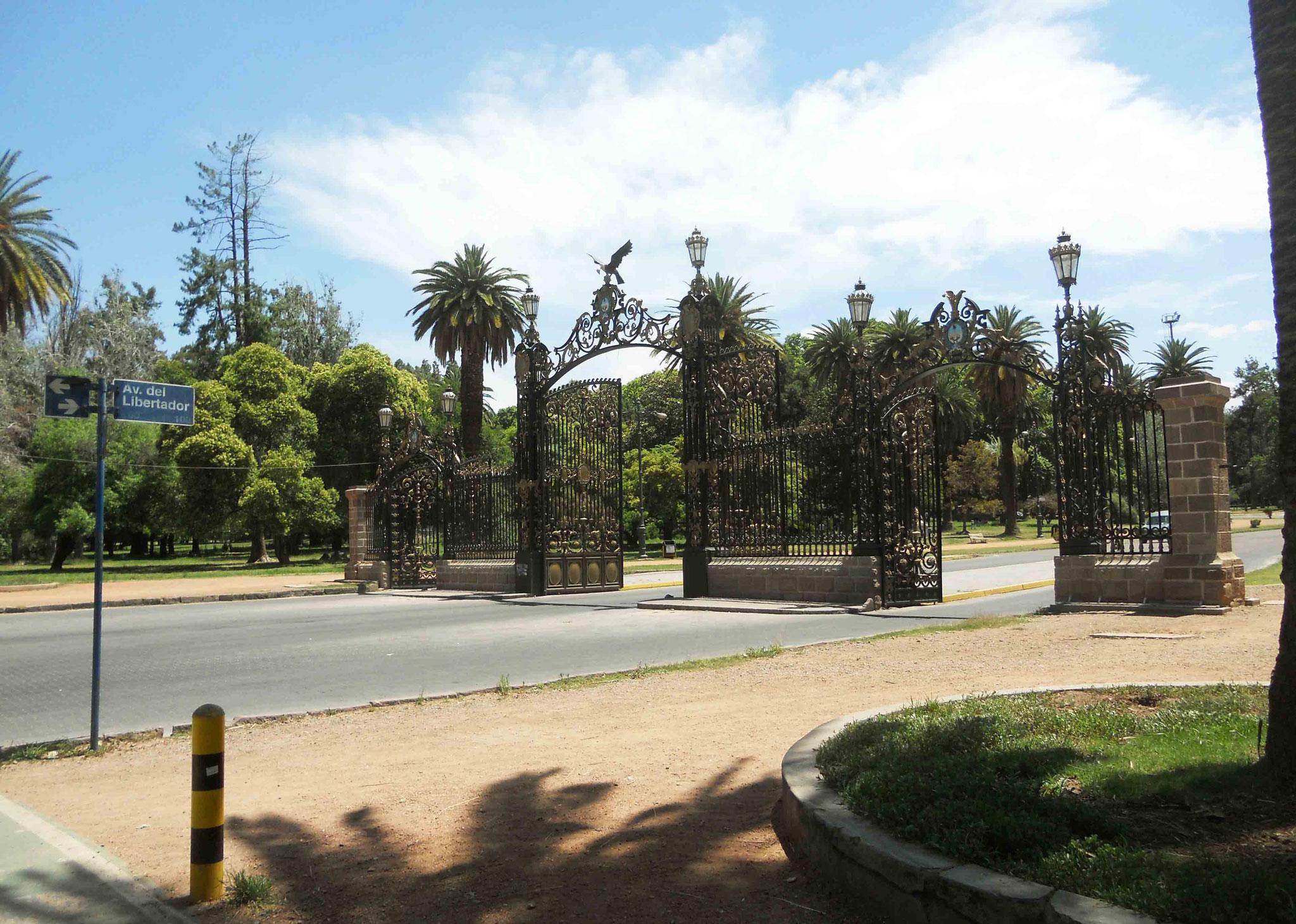 Entrée monumentale du Parc San Martin...
