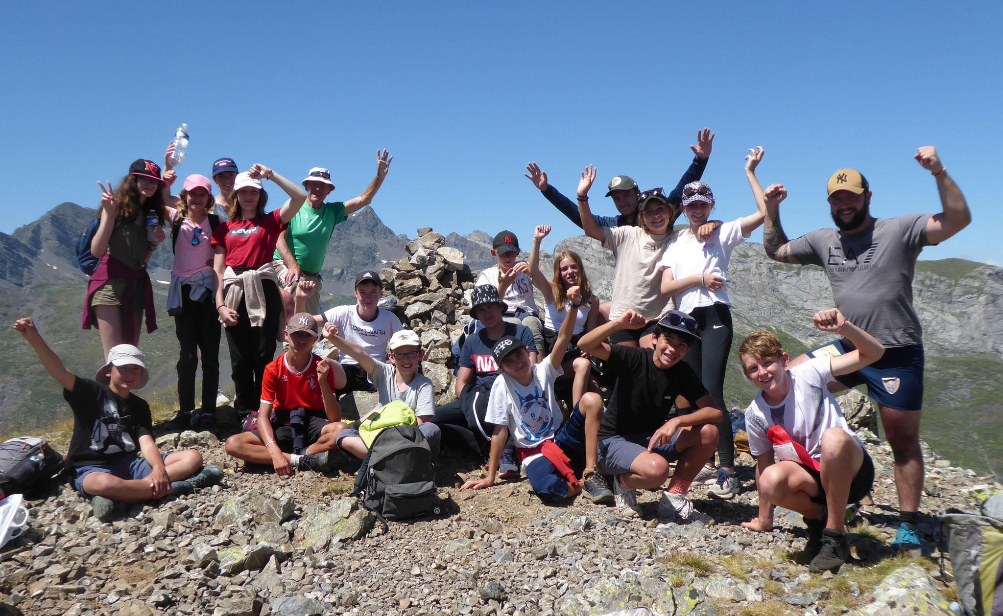 Tous au sommet du Lary après 2 jours en bivouac