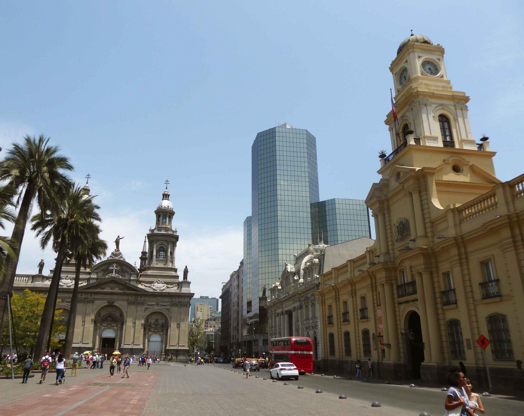 La Plaza de Armas avec la Catedral de la Asunción de la Santísima Virgen