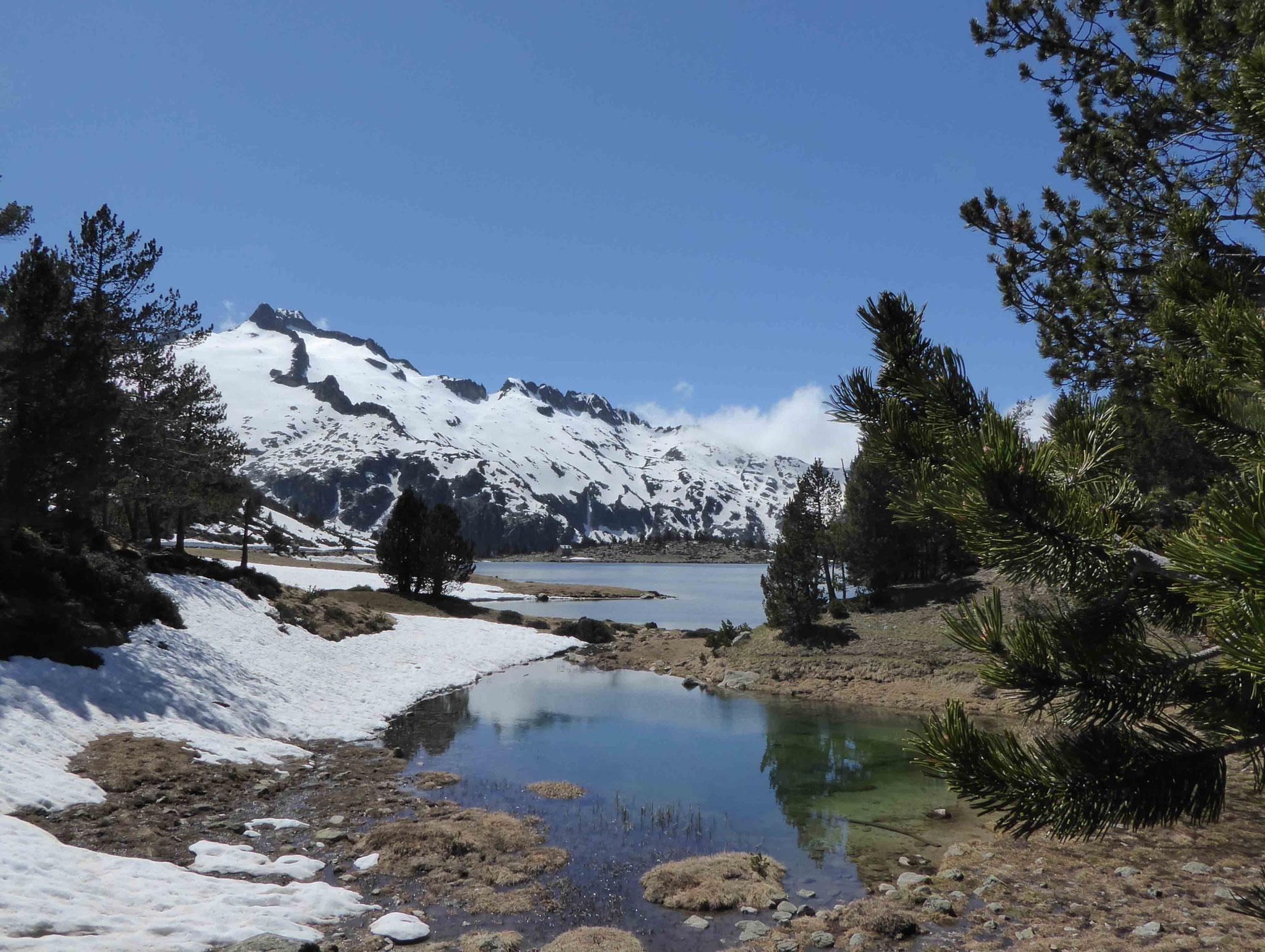 Vue imprenable sur le pic du Néouvielle (3091 m)