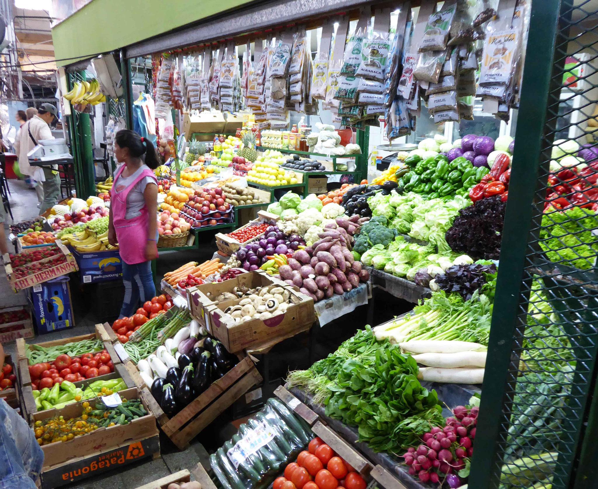 Très beau marché coloré de San Telmo