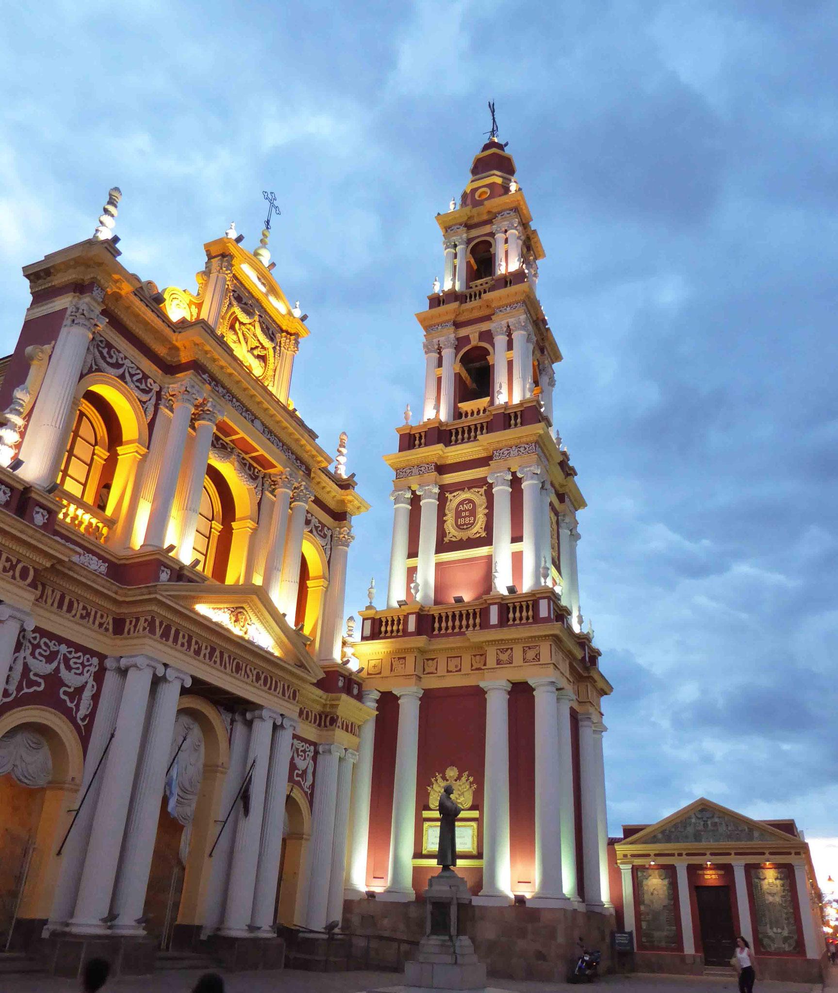 D'architecture coloniale, la très belle église San Francisco (XVIIe siècle)