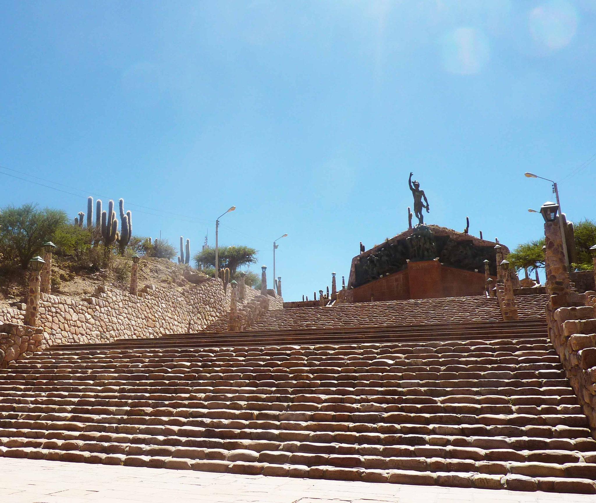 En quittant Humahuaca, visite du monument dédié aux Héros de l'Indépendance