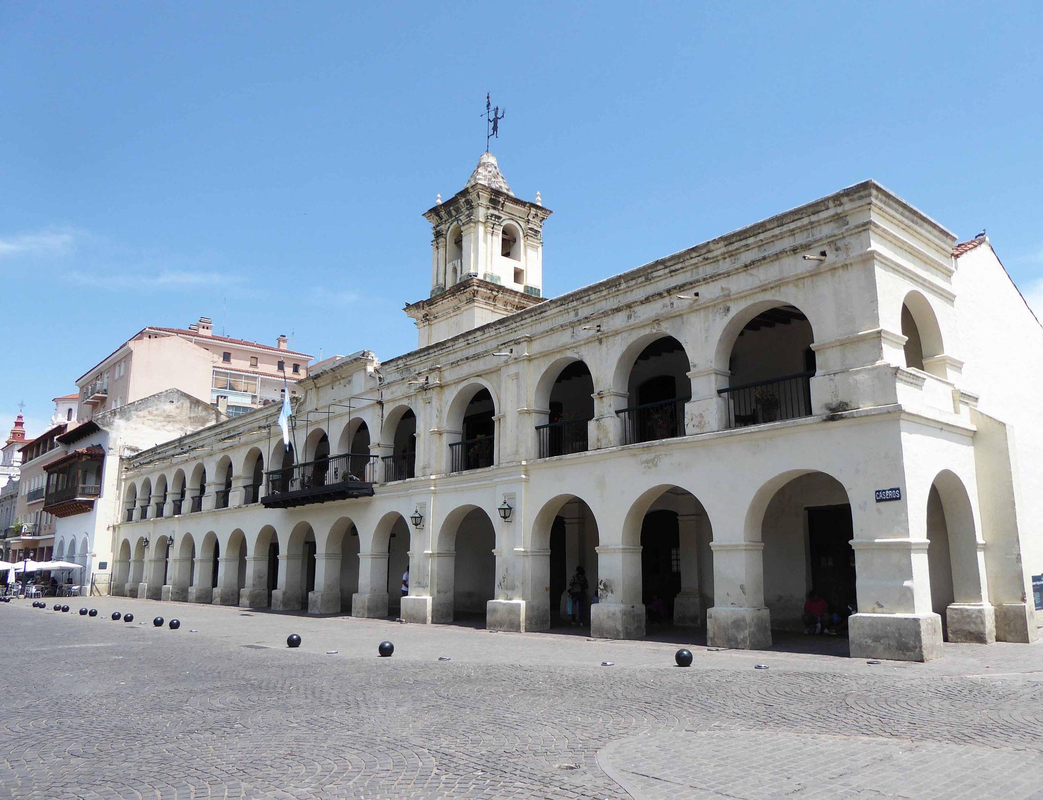 Le superbe Cabildo, souvenir du pouvoir civil de l'empire colonial espagnol